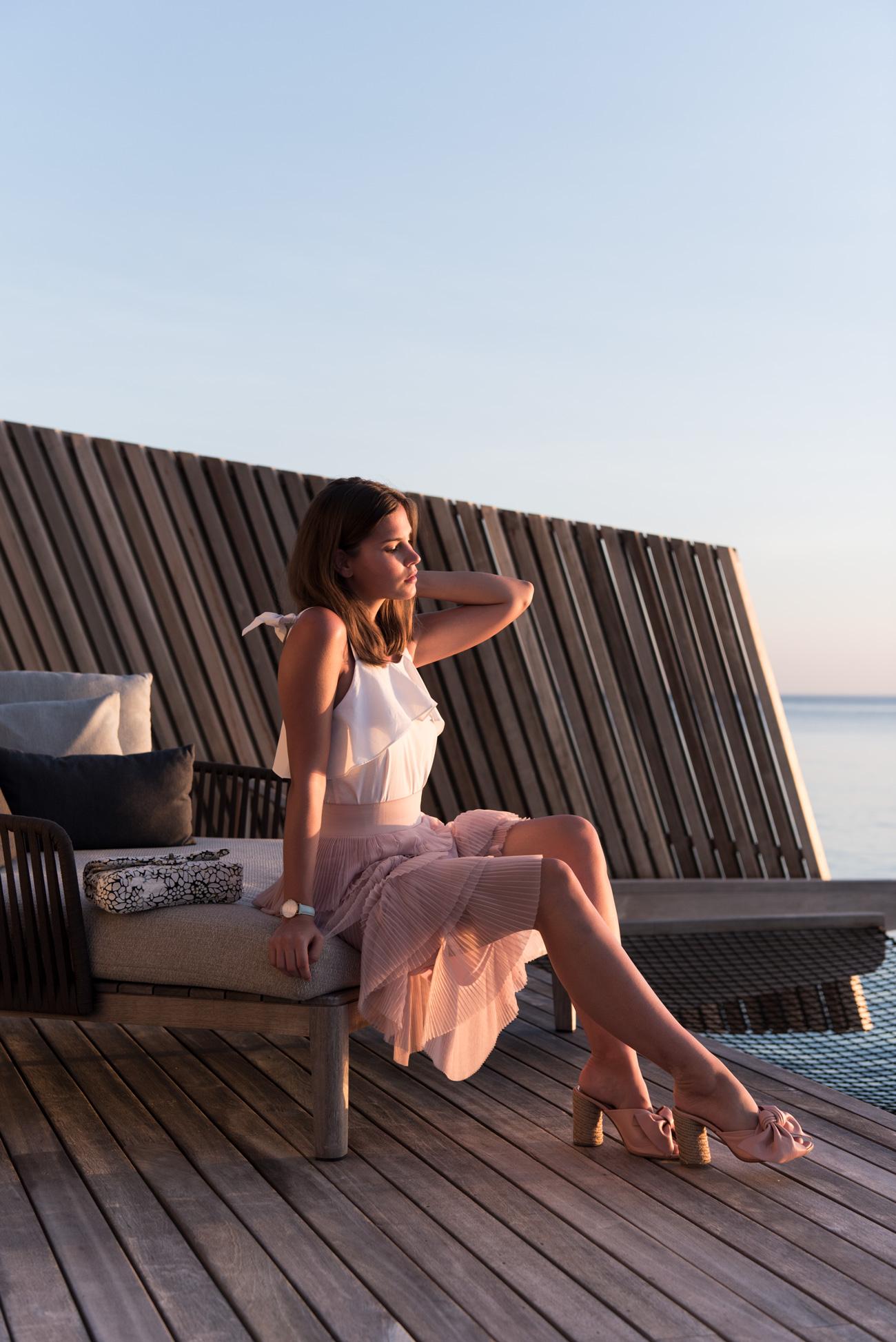 nina-schwichtenberg-vollzeit-bloggerin-deutschland-münchen-mode-lifestyle-und-reise-blog-fashiioncarpet