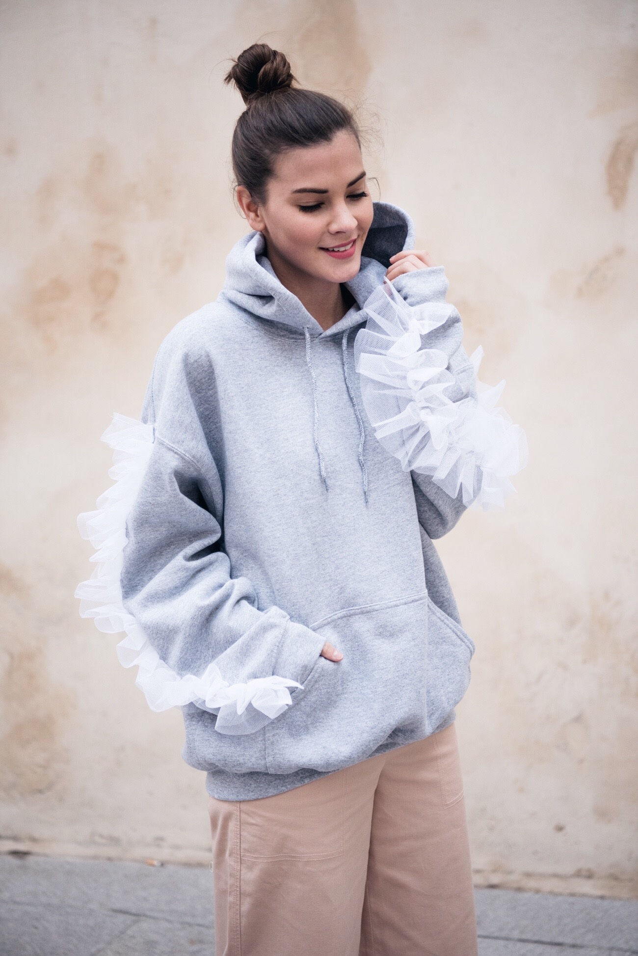 fashion-trend-sweater-and-oversize-hoodies