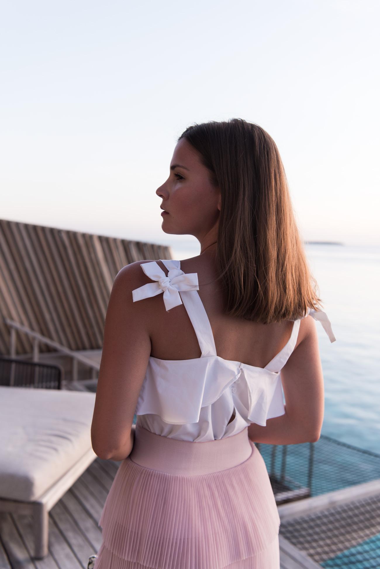st-regis-malediven-wasser-villa-sunset-water-villa-terrasse-hote-erfahrung-fashiioncarpet-
