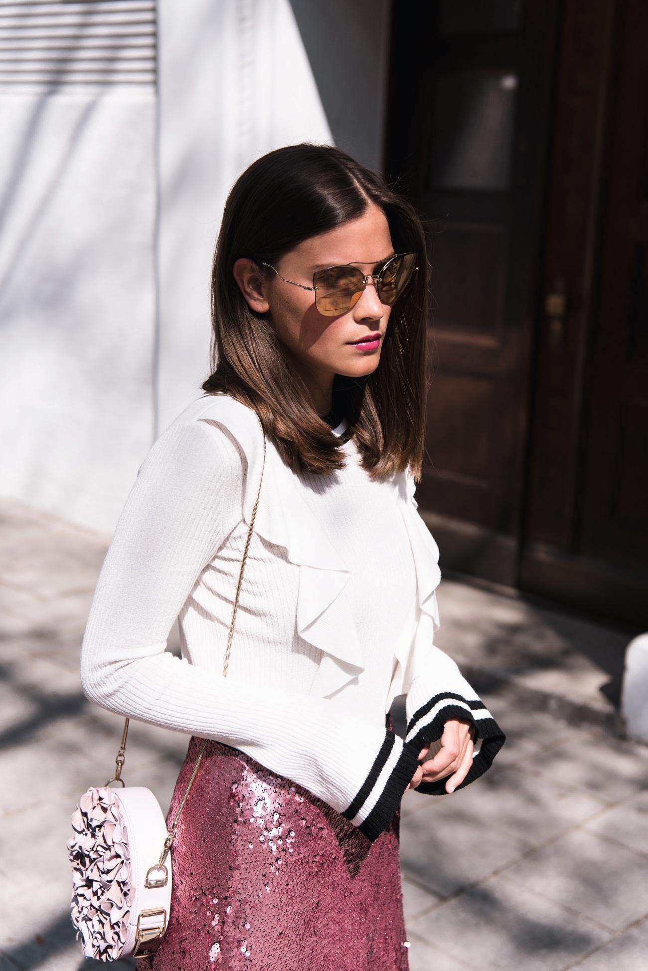 shirt-mit-glocken-ärmeln-pullover-glockenärmel-edited-streetstyle-blogger-fashiioncarpet