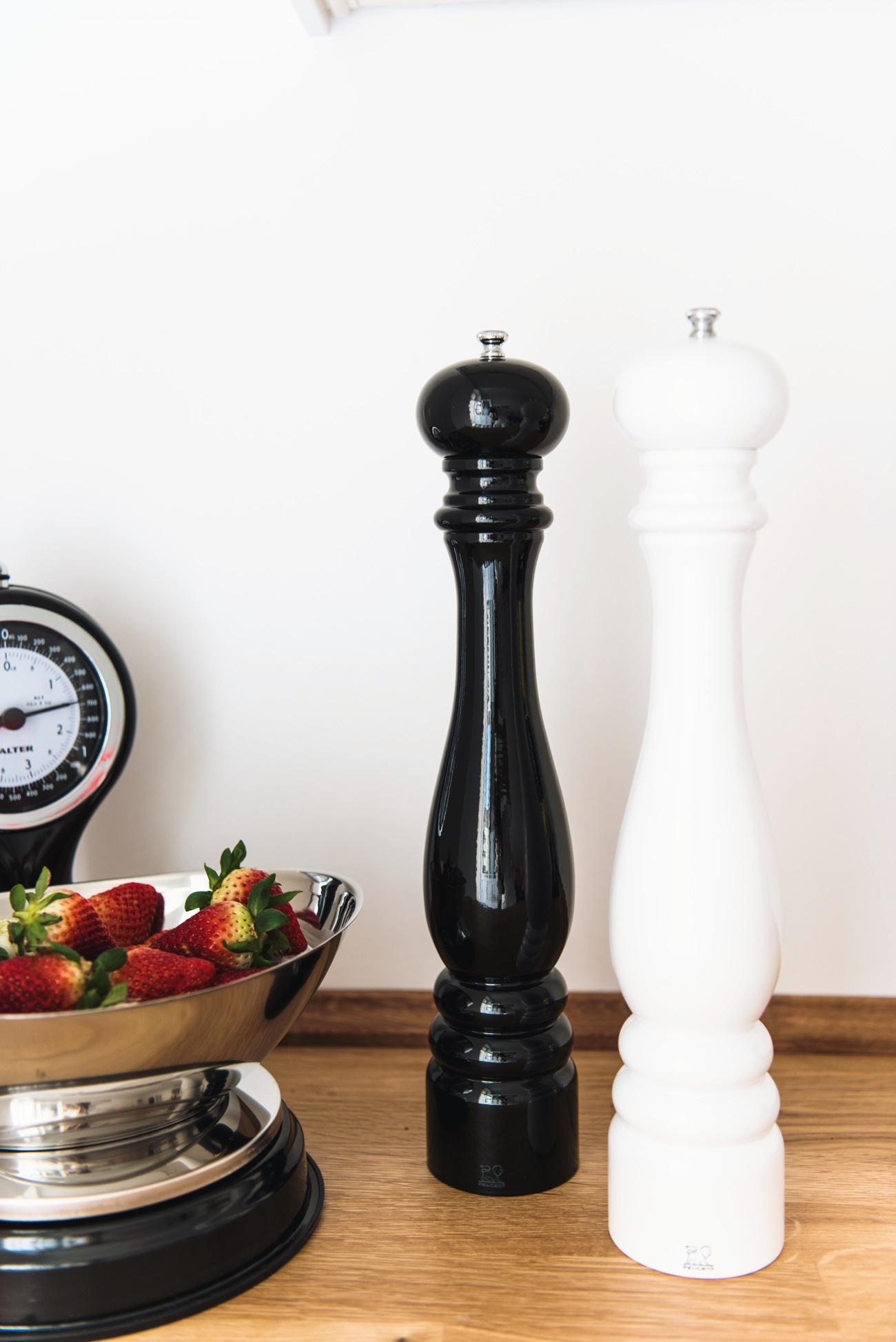 Küchenwage-silber-schwarz-antik-fashiioncarpet