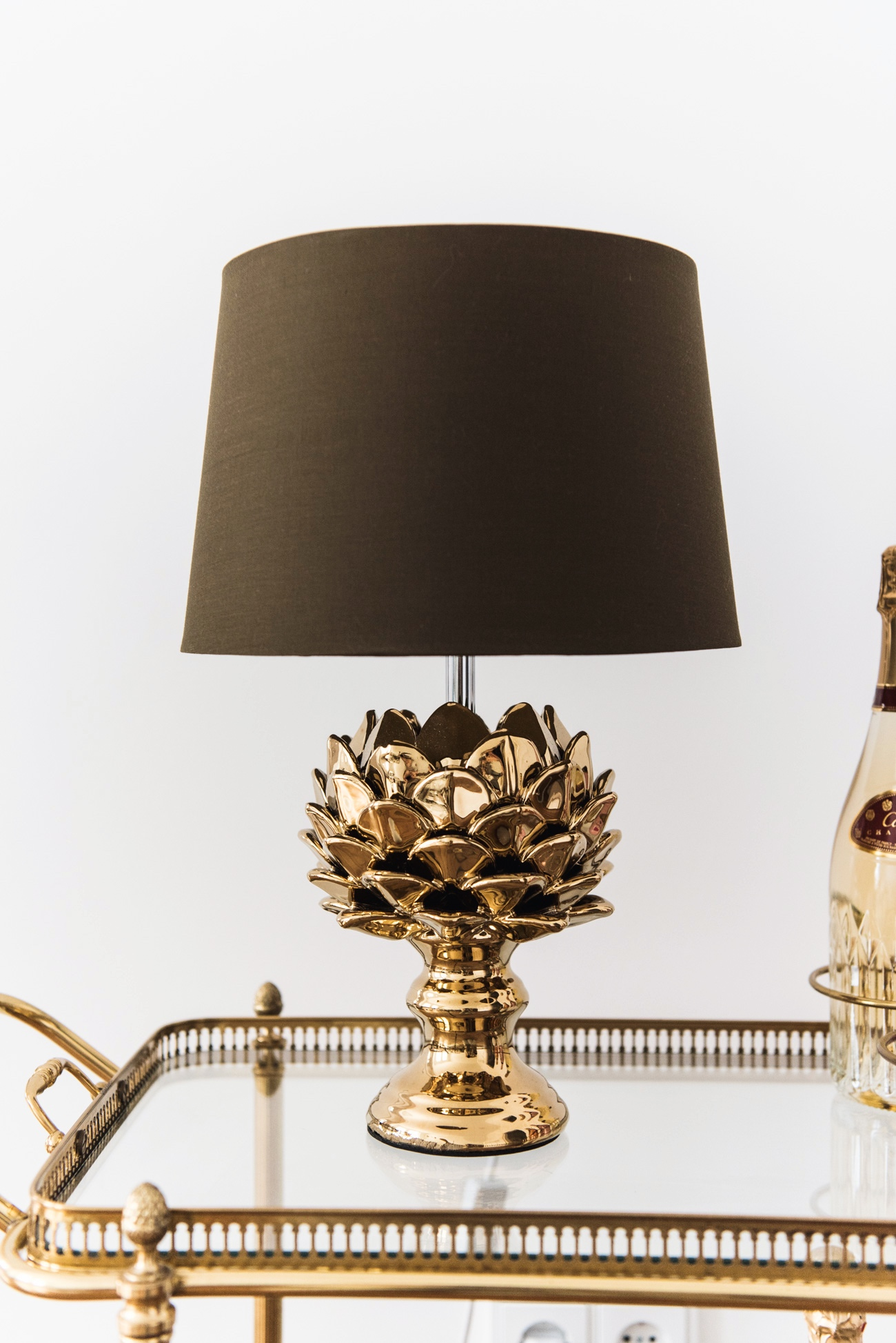 stehlampe-artischocke-ananas-form-fashiioncarpet