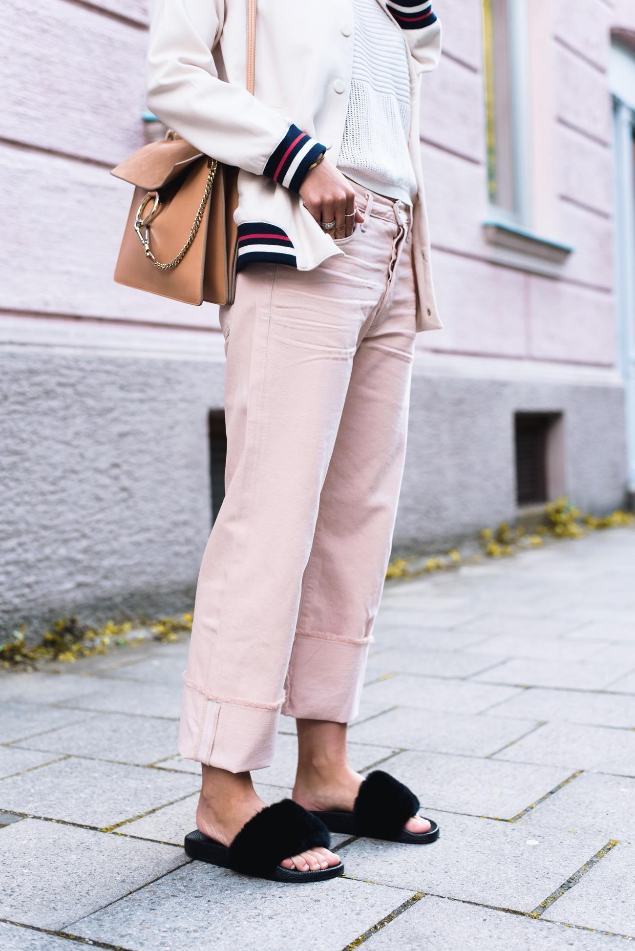 chloé-Tasche-Faye-aus-Leder-und-Veloursleder-misty-beige-blogger-street-style-fashiioncarpet