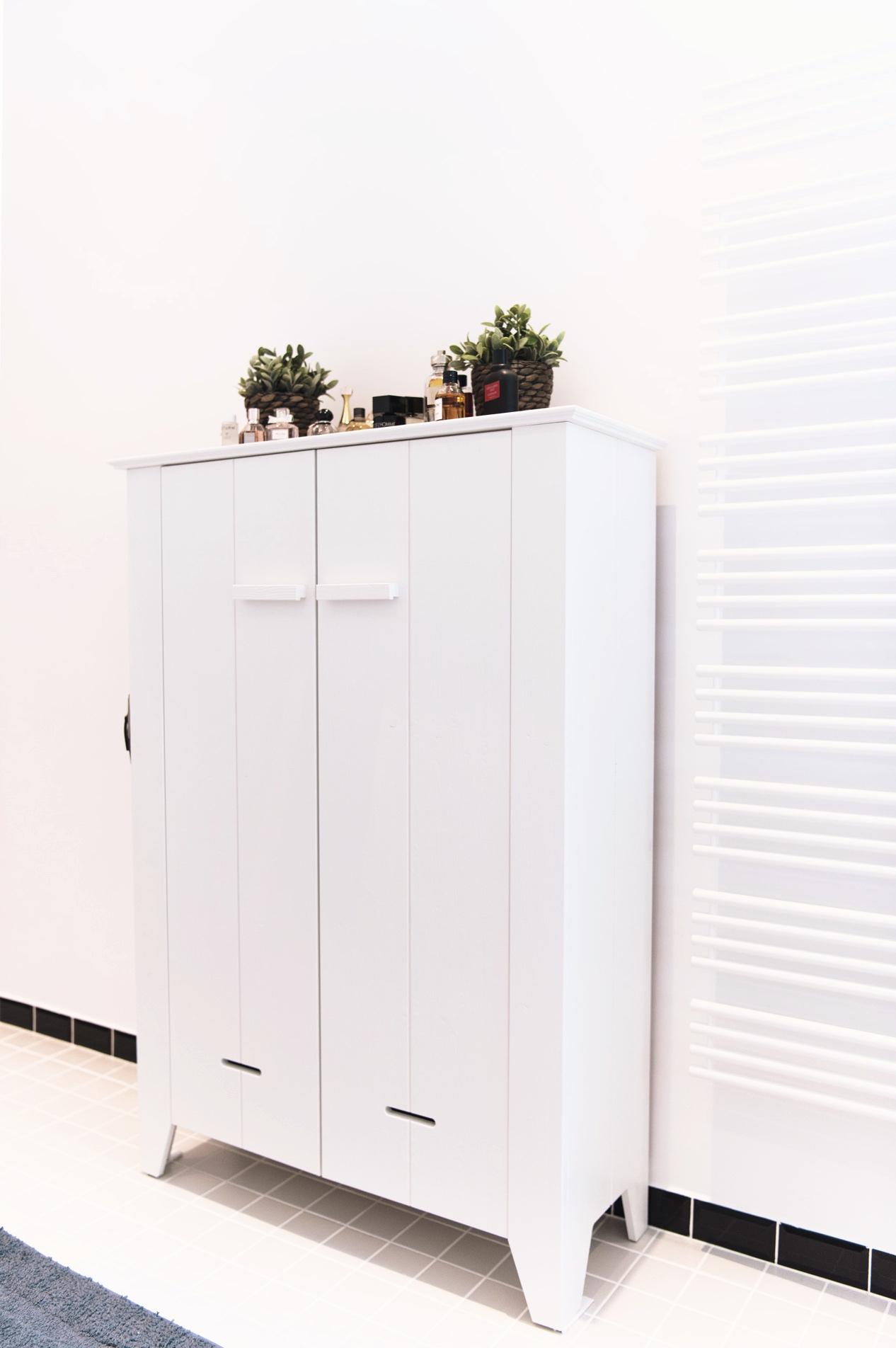 Einrichtung: Unser weißes Badezimmer mit Badewanne - Fashiioncarpet