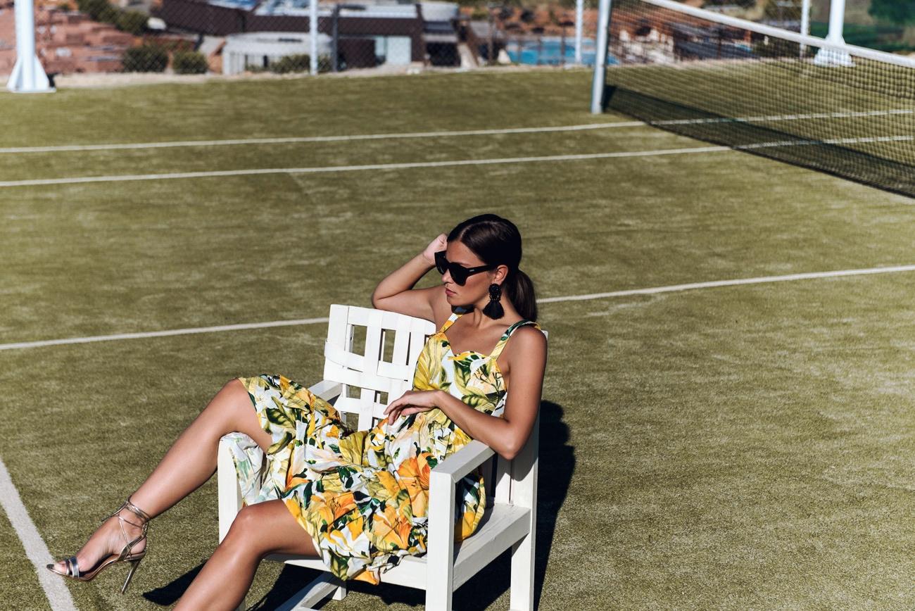 blogger-editorial-shooting-tennis-platz-fashiioncarpet