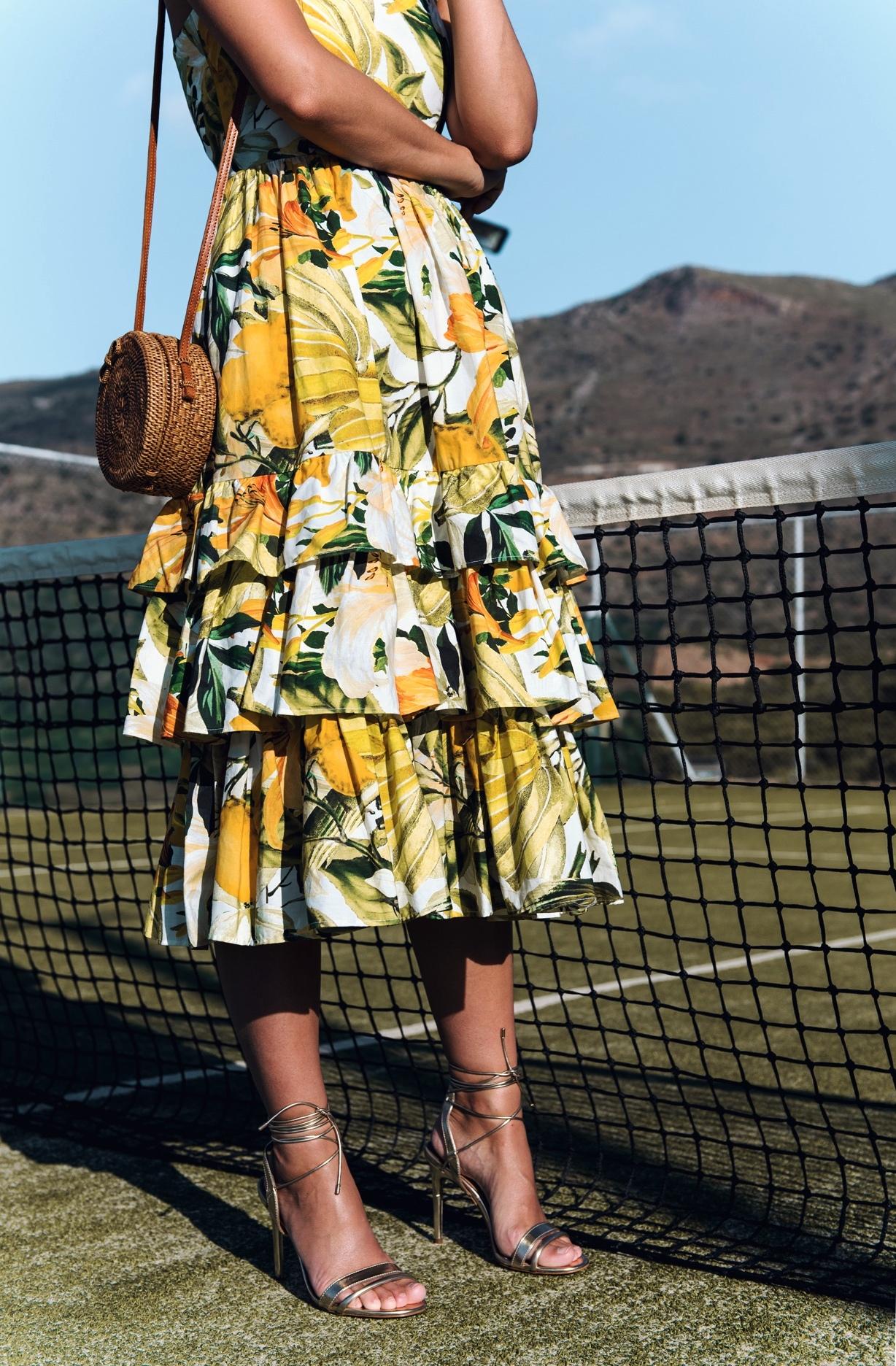 nina-schwichtenberg-foto-shooting-tennisplatz-fashiioncarpet