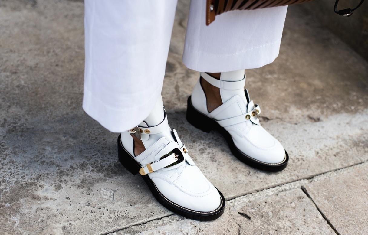 weiße-stiefel-boots-im-sommer-schuh-trends-2017-fashiioncarpet