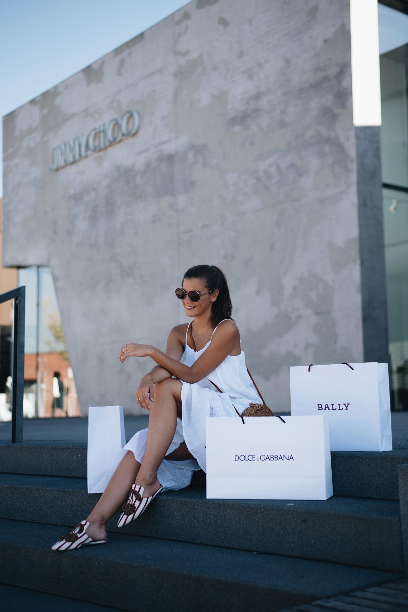 outletcity-metzingen-wochenend-einkaufen-in-designer-läden-dolce-&-gabbana-jimmy-choo-fashiioncarpet
