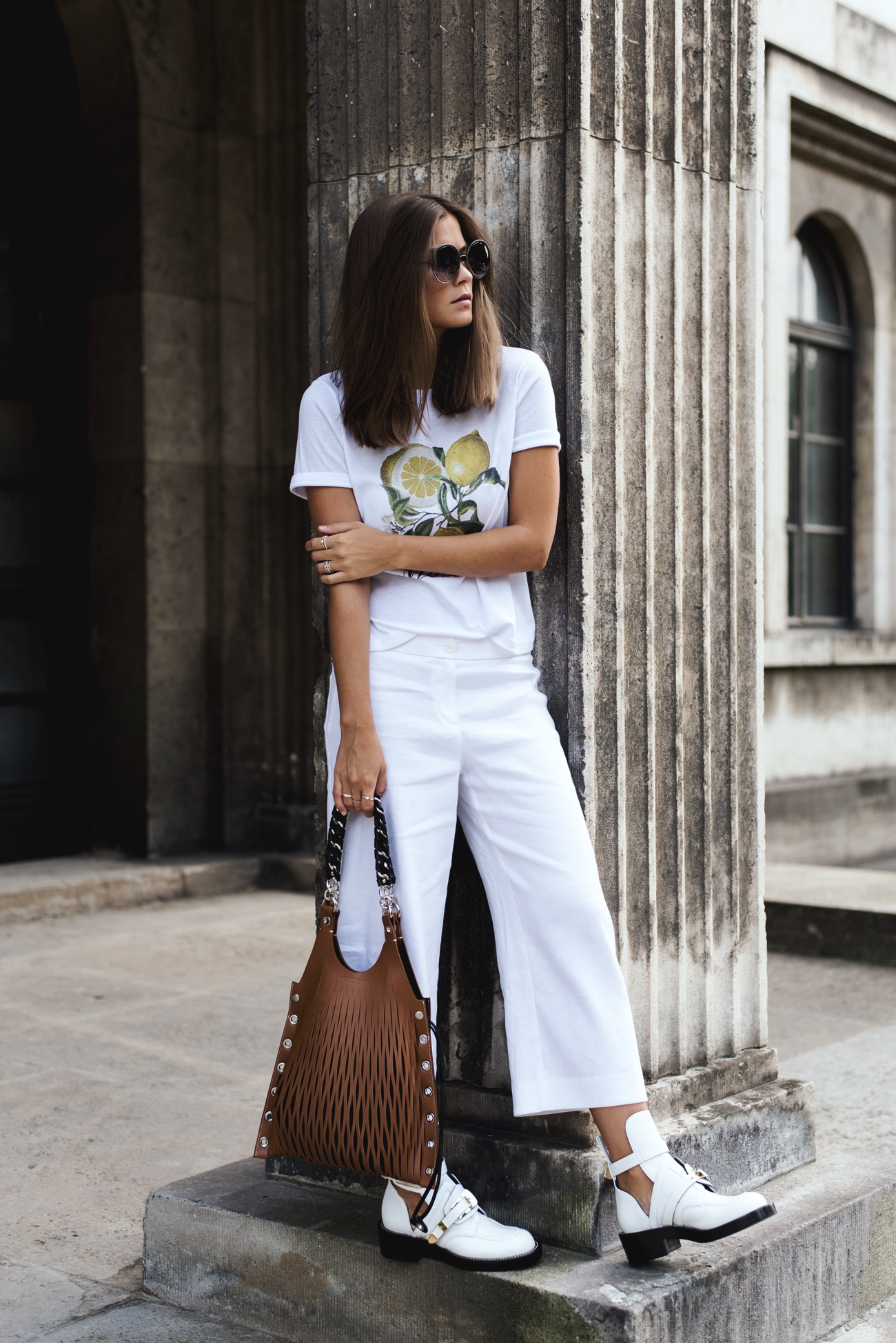 Outfit Balenciaga Ceinture Leder Cut Out Boots Weiss