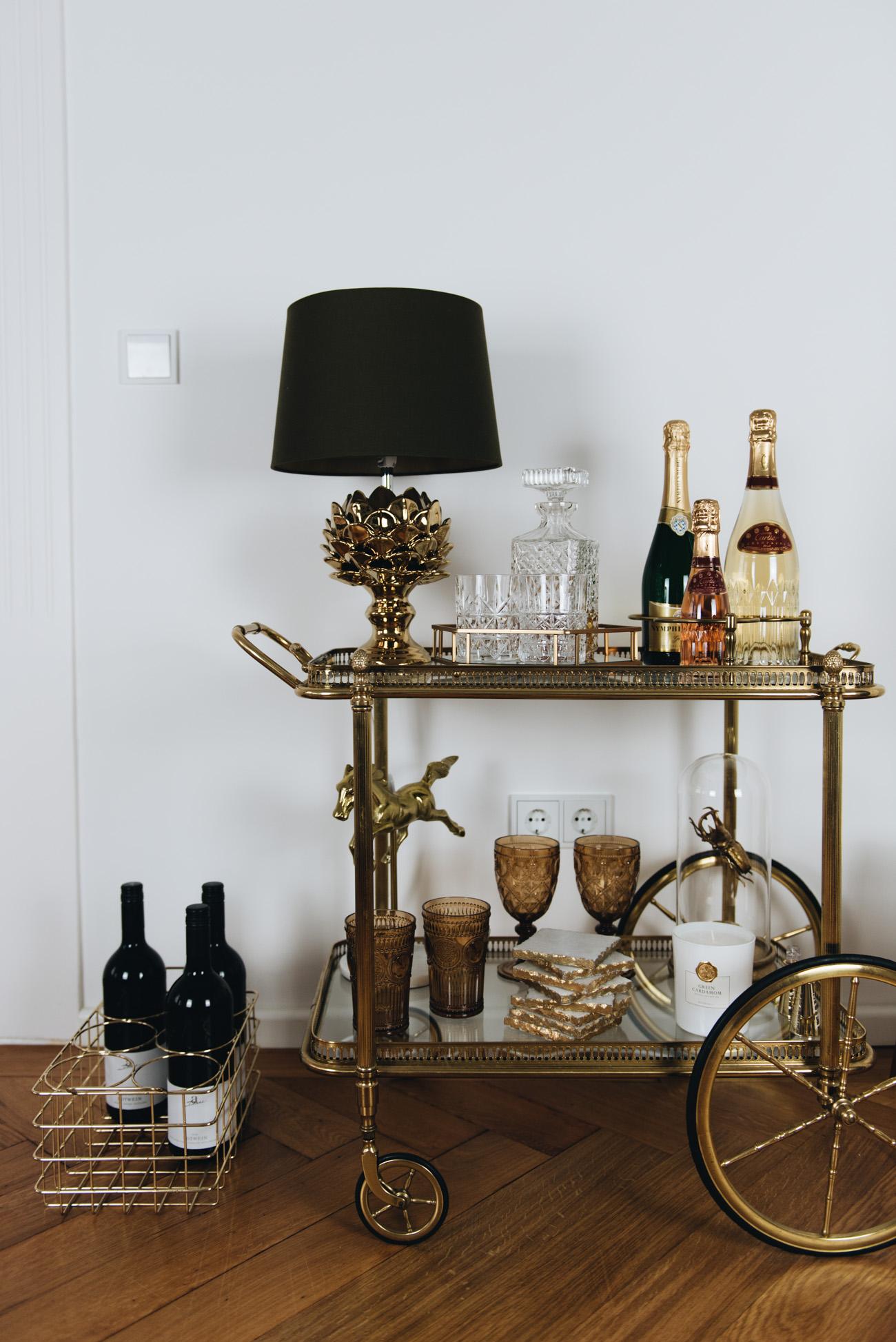 Goldene wohnaccessoires interior deko elemente for Wohnaccessoires wohnzimmer