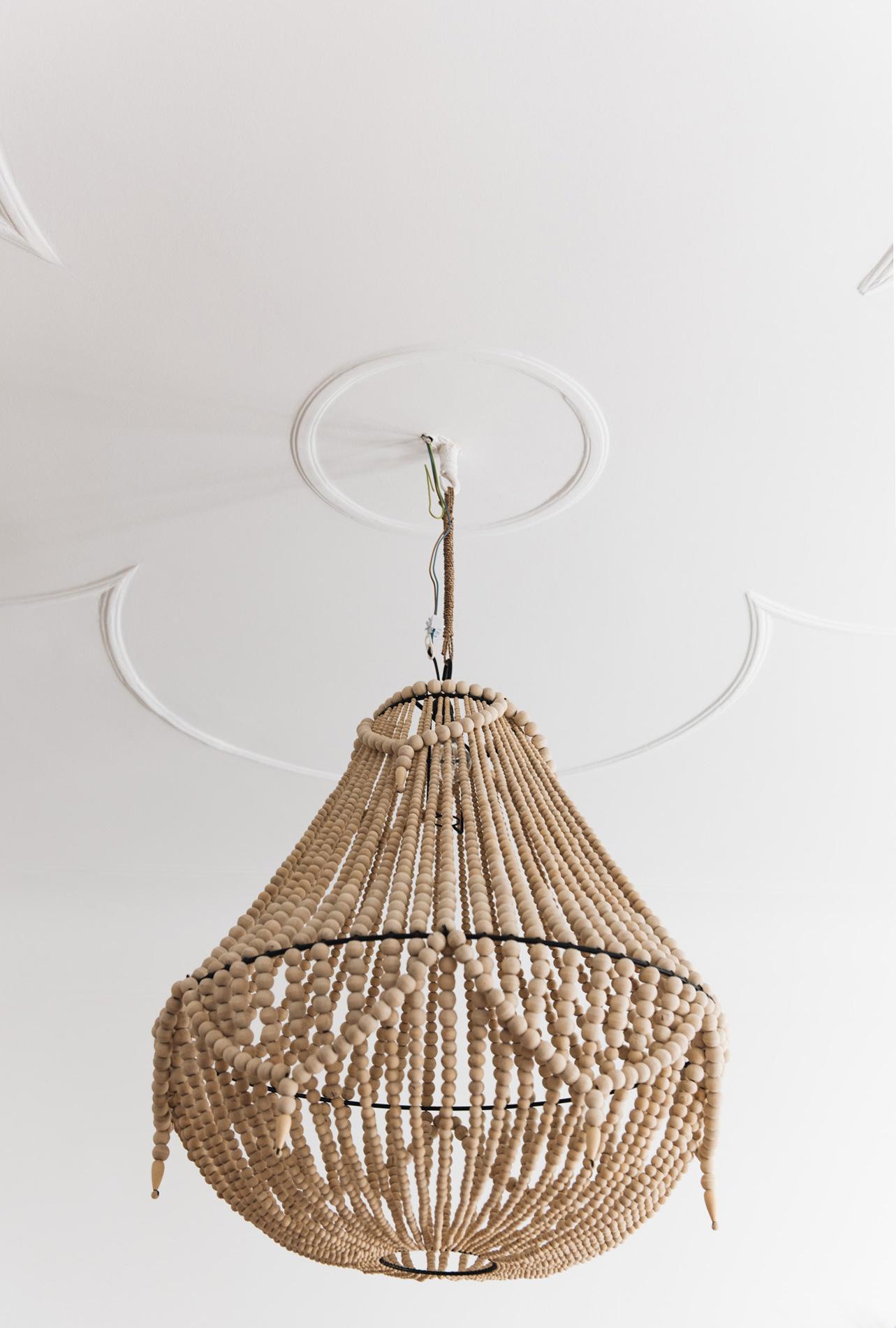 holz-kronleuchter-wood-chandelier-nina-schwichtenberg-fashiioncarpet