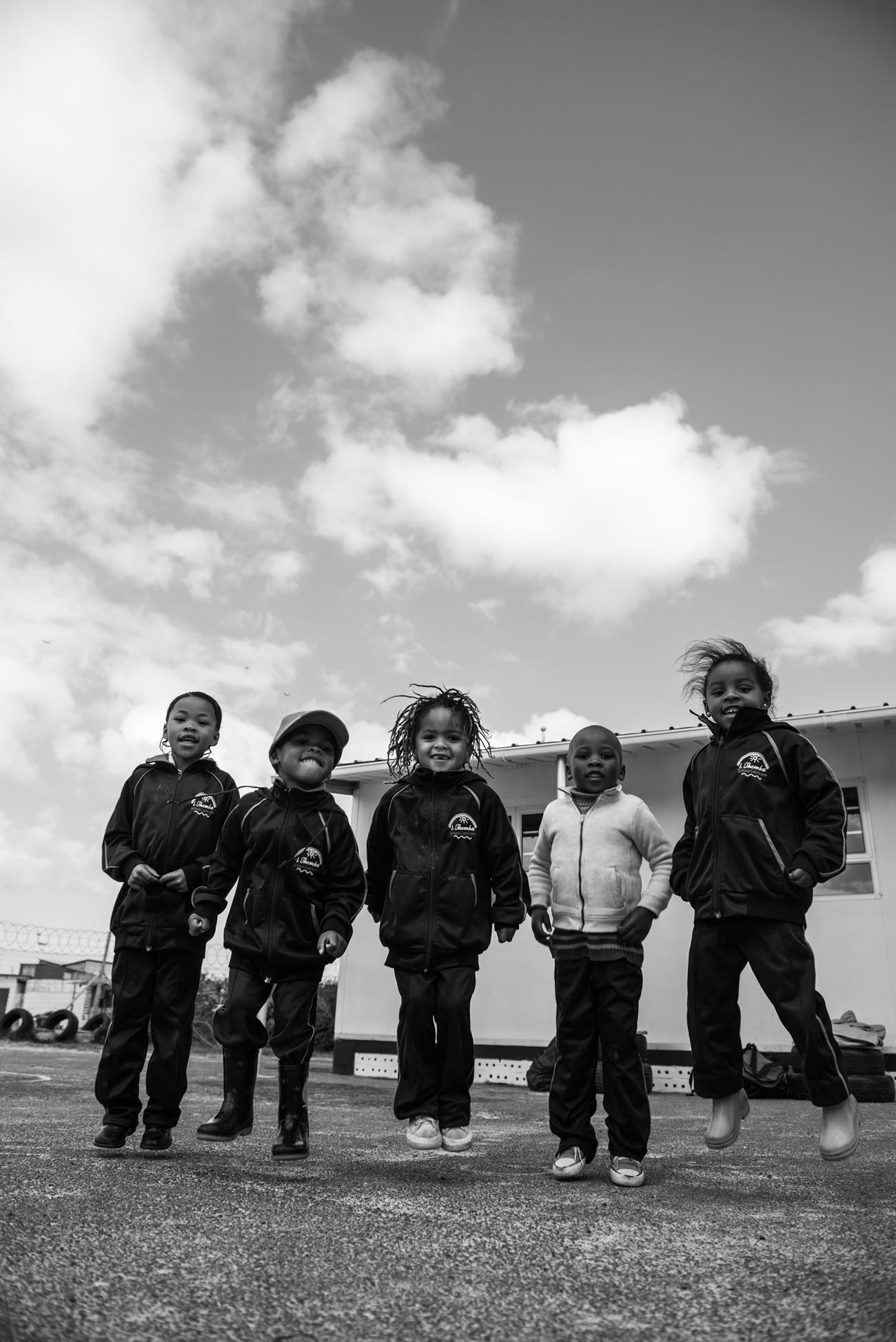 kinder-der-pre-school-im-capricorn-township-kapstadt-help-alliance-lufthansa-spenden-charity-projekt-nina-schwichtenberg-fashiioncarpet