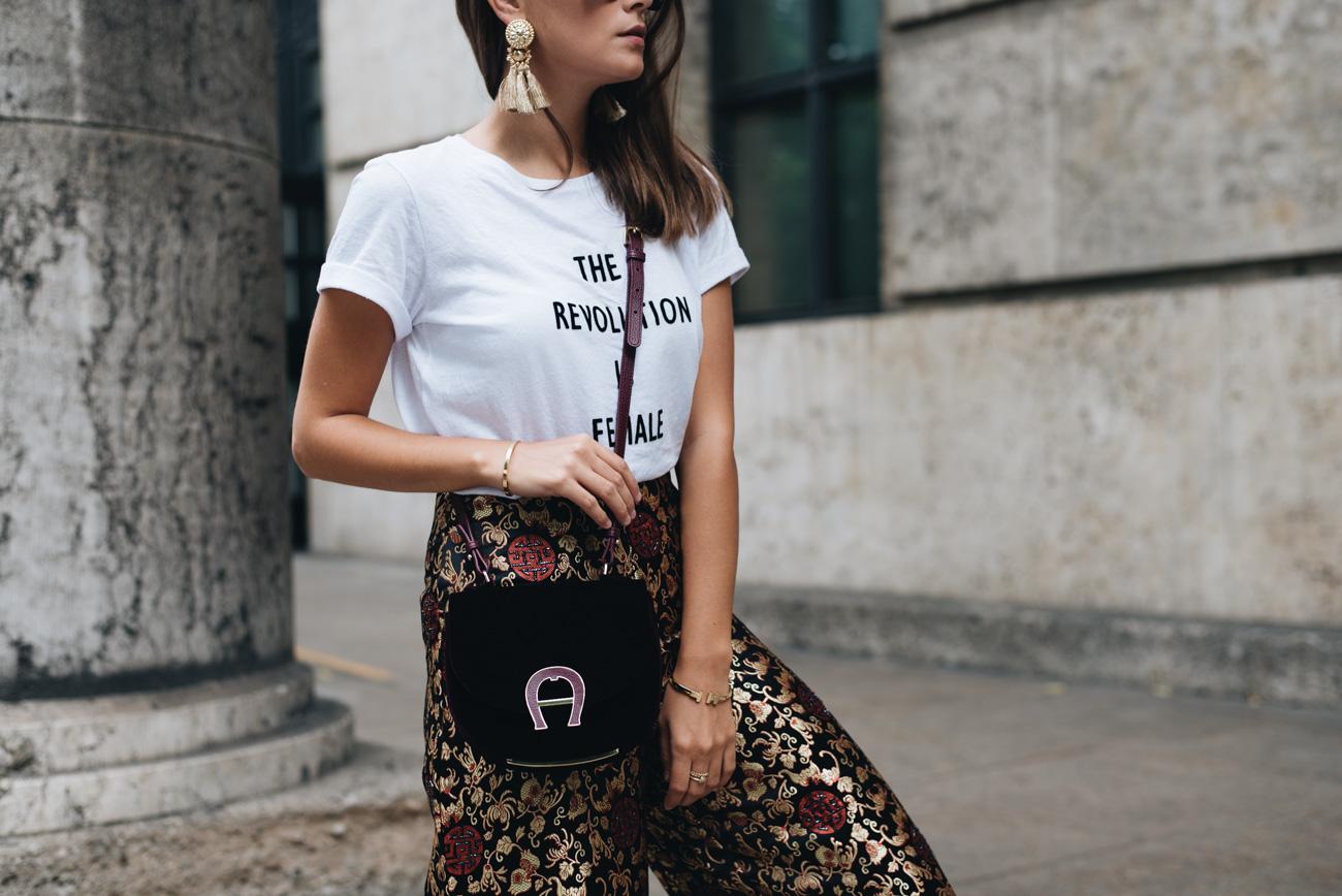 Statement-Shirt-mit-Sprüchen-kombinieren-T-Shirt-trends-2017-nina-schwichtenberg-fashiioncarpet