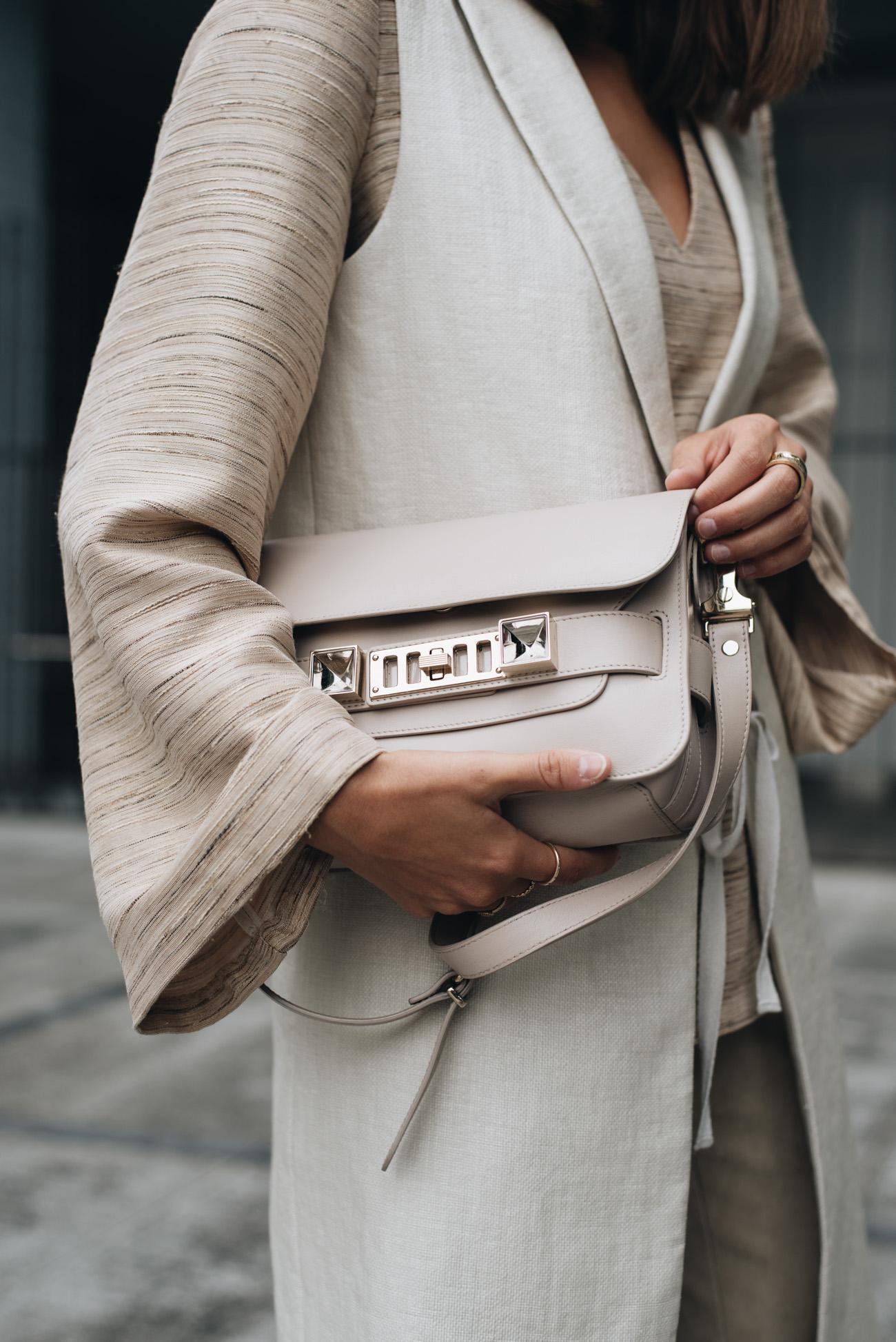 Long-Weste-oversize-bluse-Layering-nude-color-blocking-trend-2017-nina-schwichtenberg-fashiioncarpet