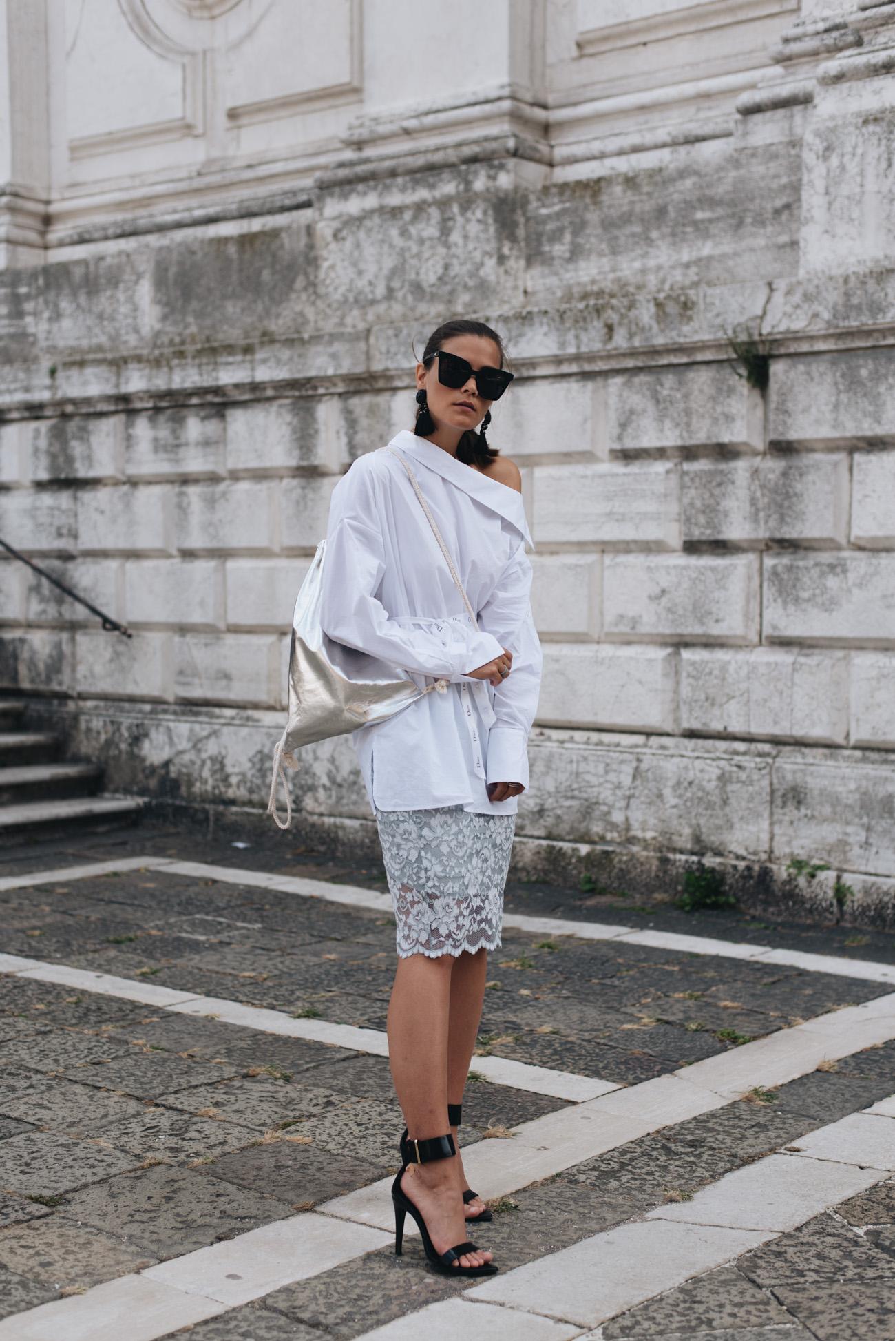 fashion-editorial-shooting-venedig-weiße-schlichte-basic-bluse-kombinieren-styling-tipps-blogger-look-fashiioncarpet-nina-schwichtenberg-modebloggerin-deutschland