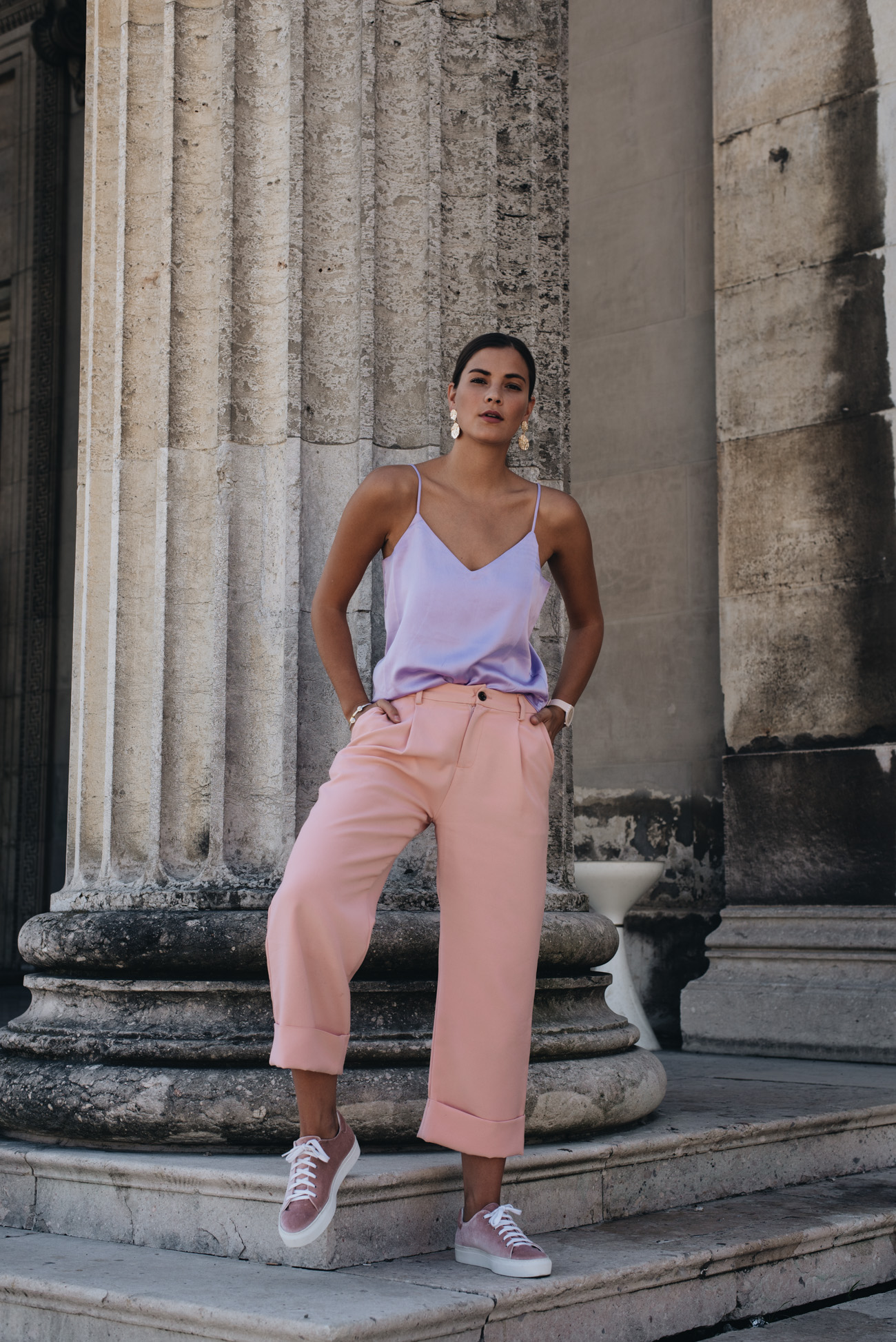 fashion-editorial-shooting-münchen-architektur-fashiioncarpet-nina-schwichtenberg