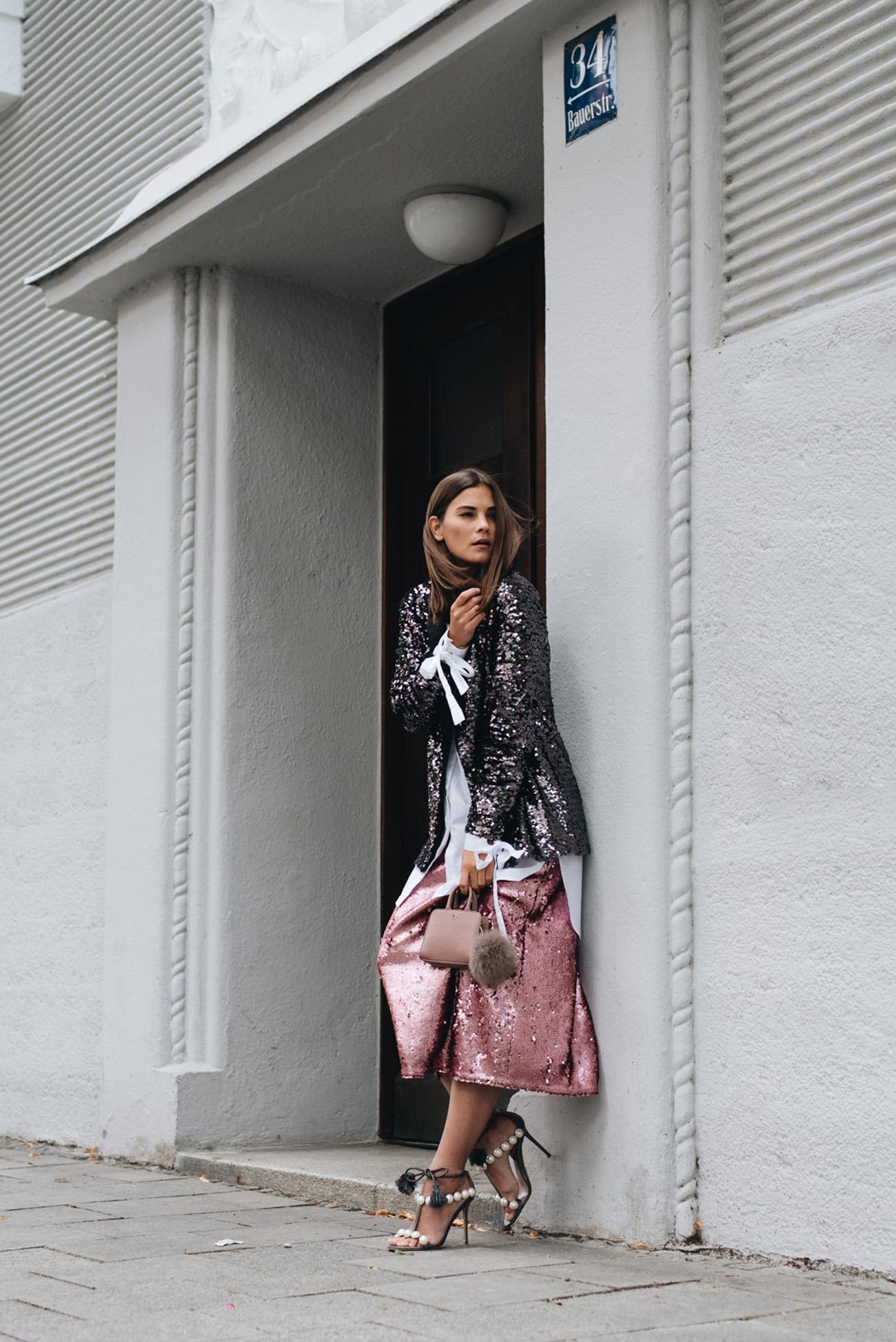 pailletten-outfit-mit-blazer-und-rock-fashiioncarpet-nina-schwichtenberg