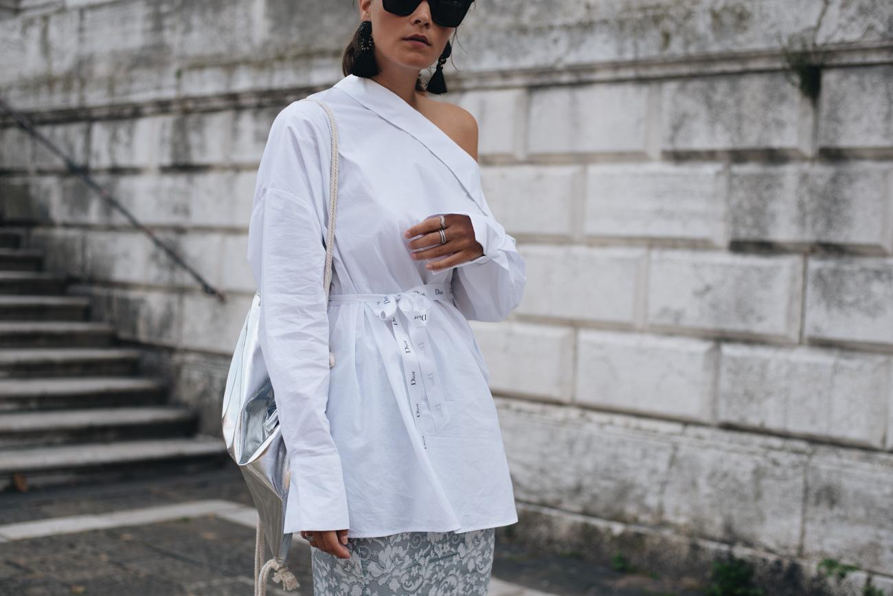 weiße-bluse-für-den-alltag-kombinieren-look-modern-und-modisch-fashiioncarpet-nina-schwichtenberg