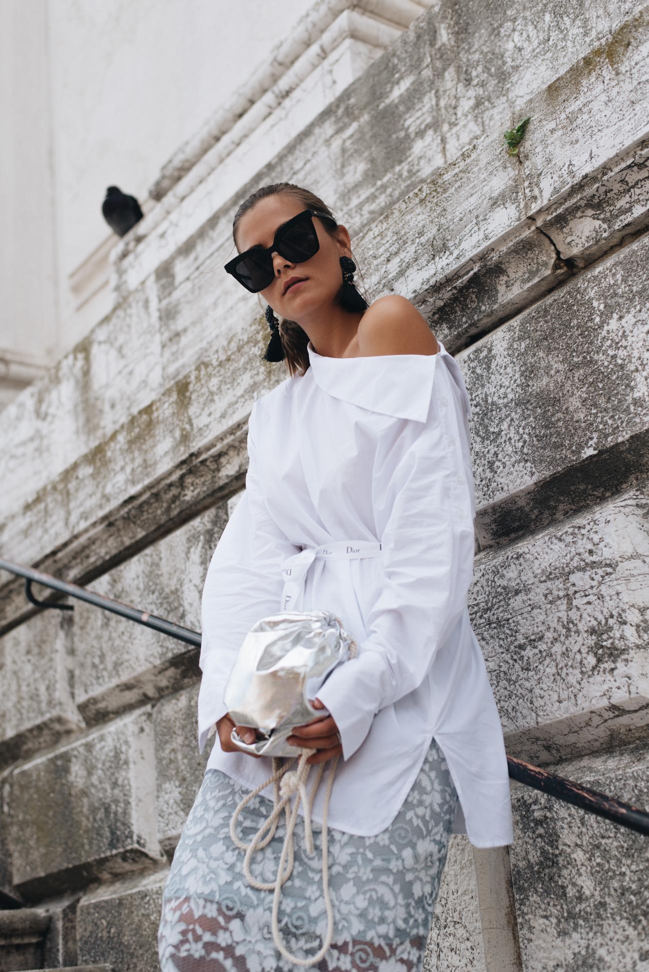 fashion-editorial-shooting-blogger-venedig-architektur-streetstyle-high-fashion-outfdoor-fashiioncarpet-nina-schwichtenberg