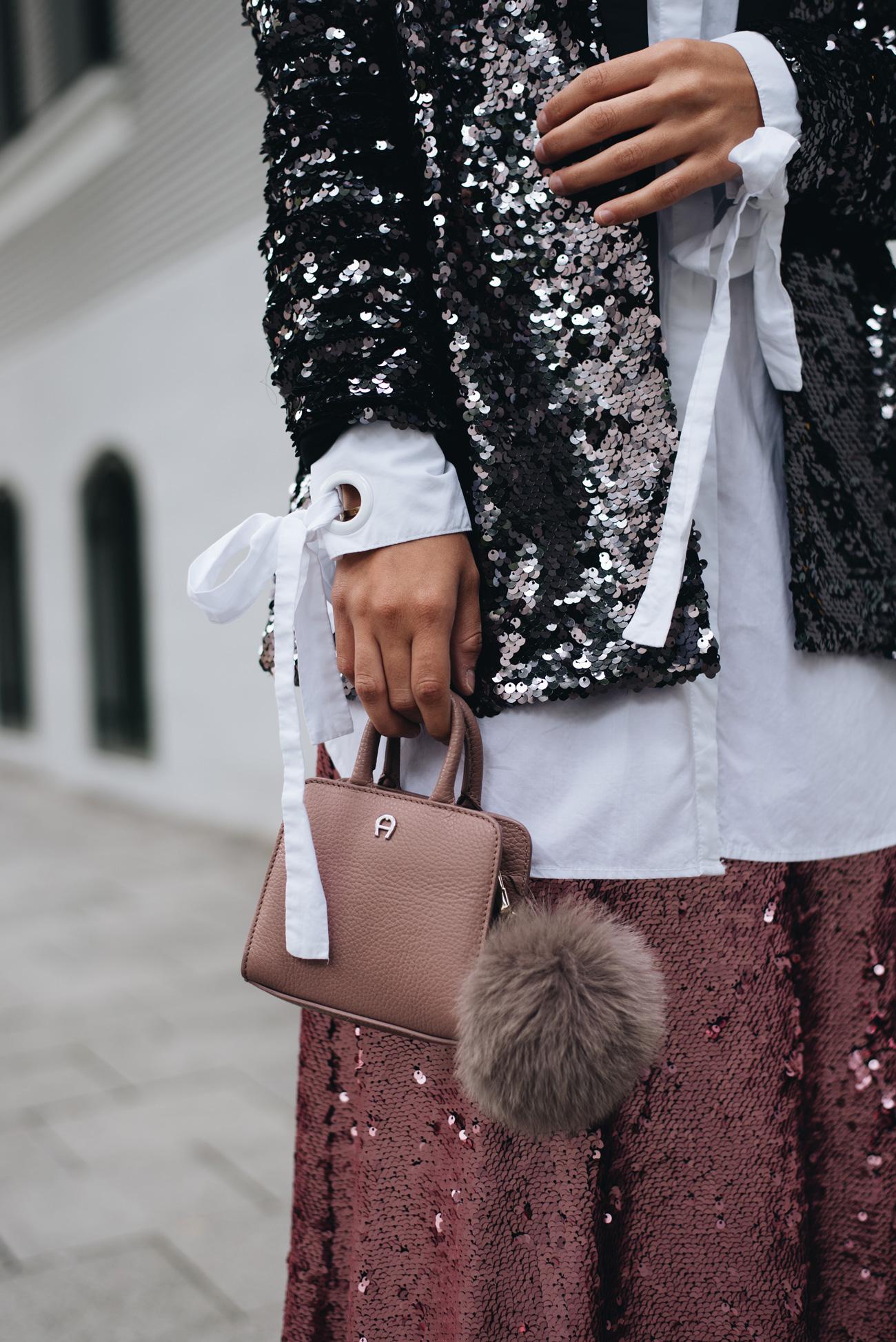 weiße-bluse-mit-schleifen-und-schwarzem-pailletten-blazer-nina-schwichtenberg-fashiioncarpet