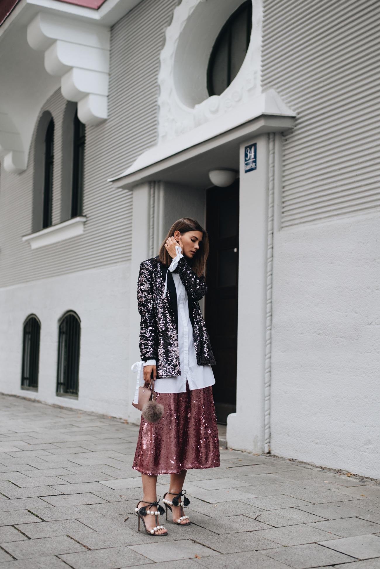 styling-tipps-für-das-tragen-von-pailletten-im-alltag-blazer-und-rock-fashiioncarpet-nina-schwichtenberg