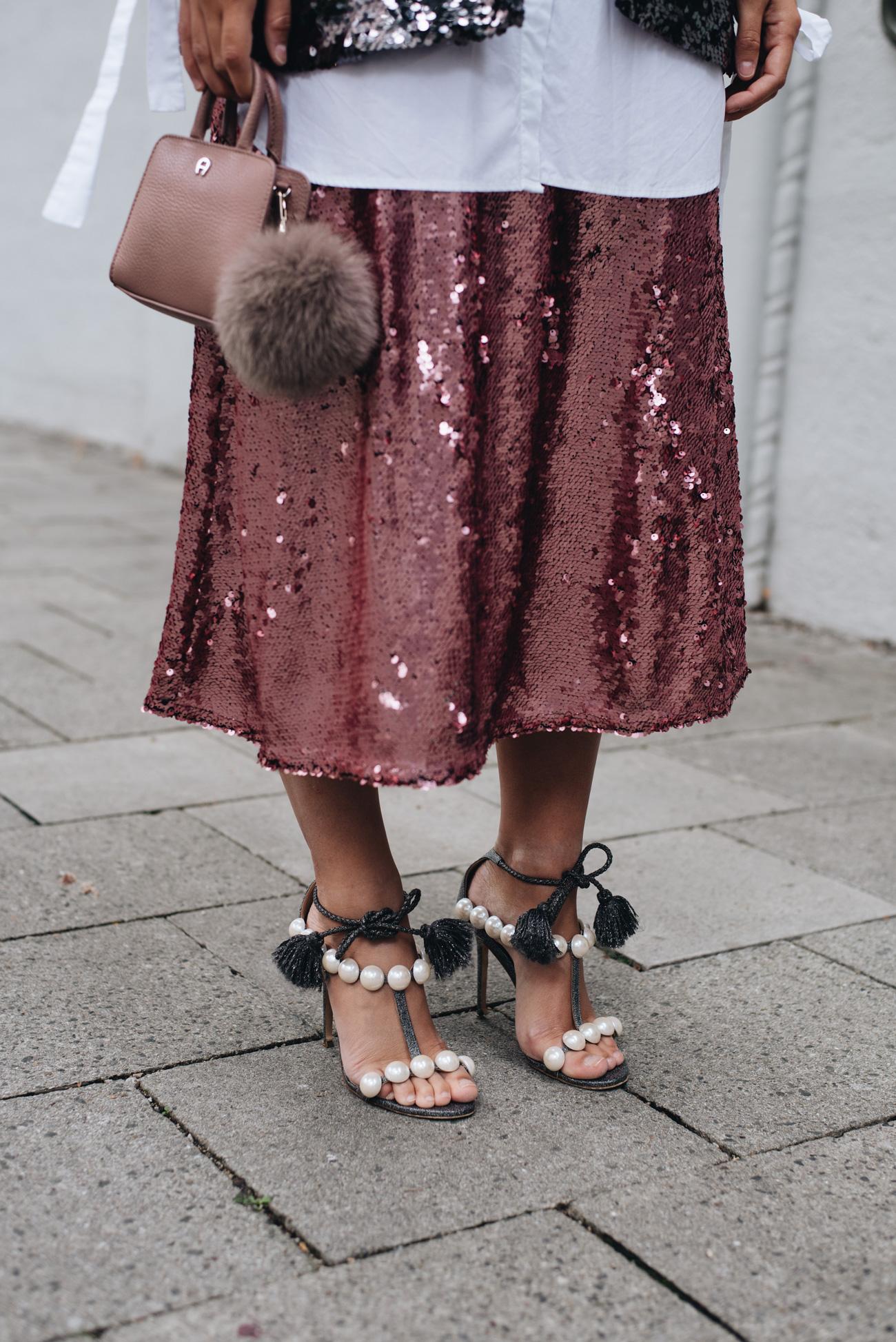 pailletten-rock-pink-H&M-midi-länge-sandalen-mit-perlen-mini-bag-Pearl-sandals--Diana-Paula-Cademartori-nina-schwichtenberg-fashiioncarpet