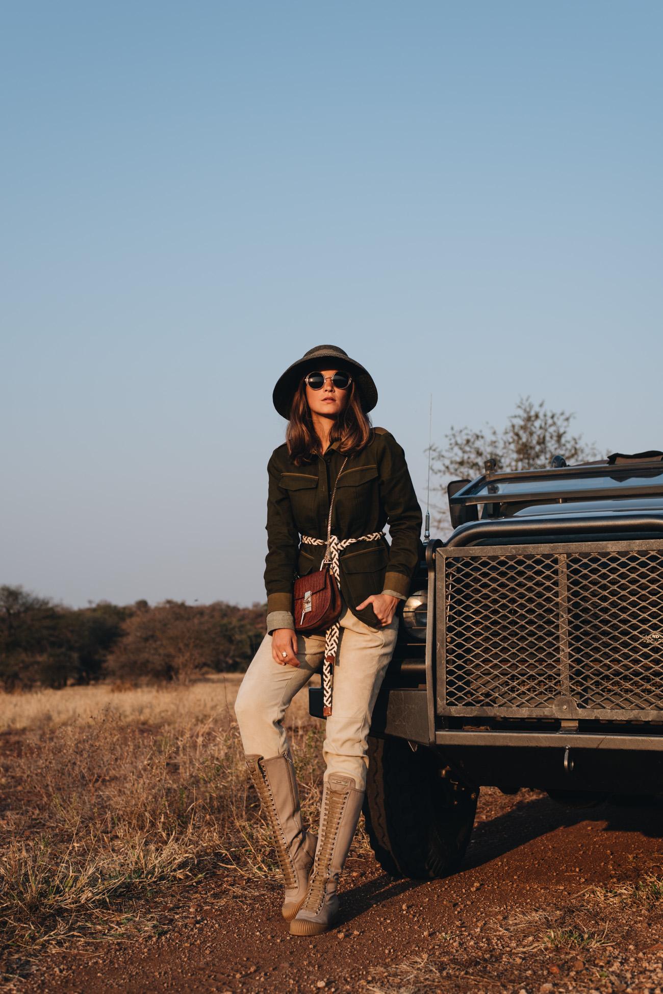 afrika-safari pauschalreise-kosten-ausstattung-kleidung-ausrüstung-tipps-und-tricks-fashiioncarpet-nina-schwichtenberg
