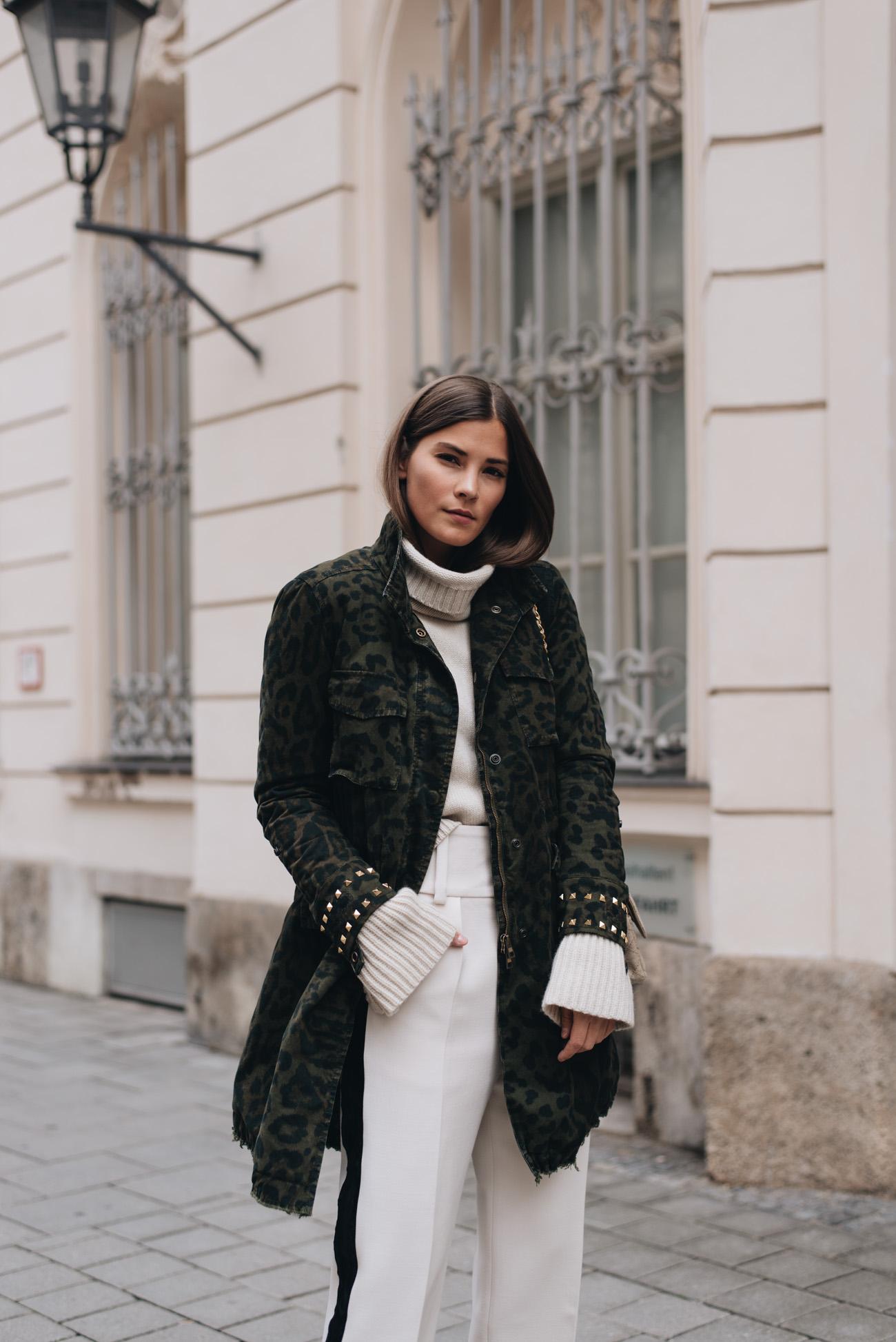 Modetrends-herbst-und-winter-2017-parka-mäntel-leomuster-chanel-timeless-canvas-vintage-bag-nina-schwichtenberg-fashiioncarpet