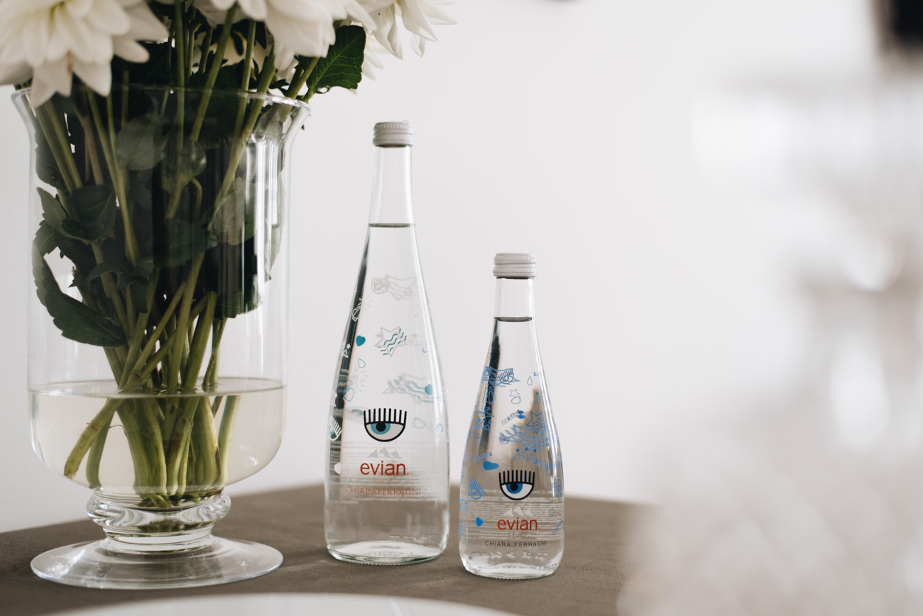 Chiara-Ferragni-Evian-Flaschen-design-limitierte-edition-2017-paris-launch-fashiioncarpet-nina-schwichtenberg
