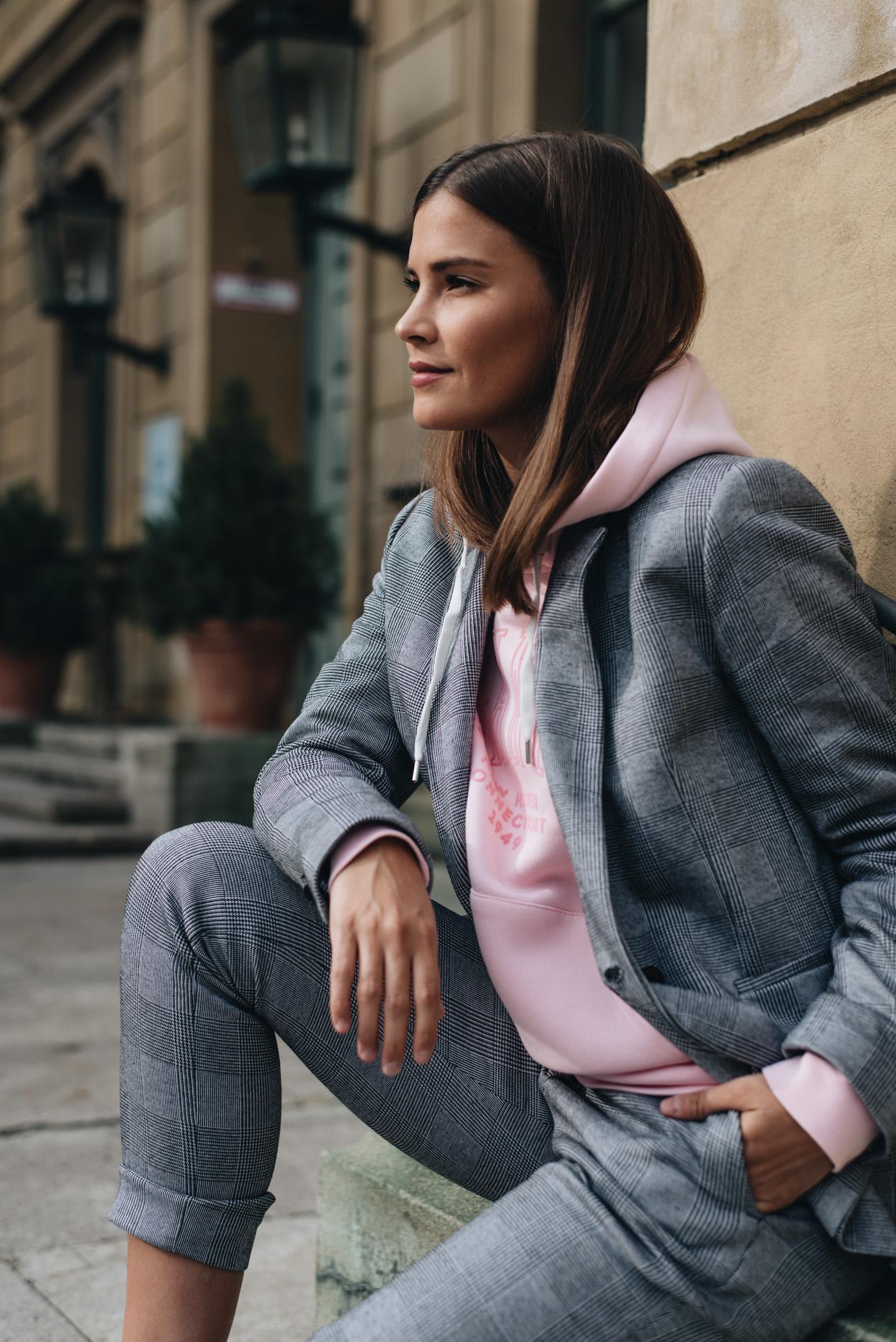 Die-10-besten-mode-und-lifestyle-blogs-deutschlands-münchen-fashiioncarpet-nina-schwichtenberg-luxus-bloggerin