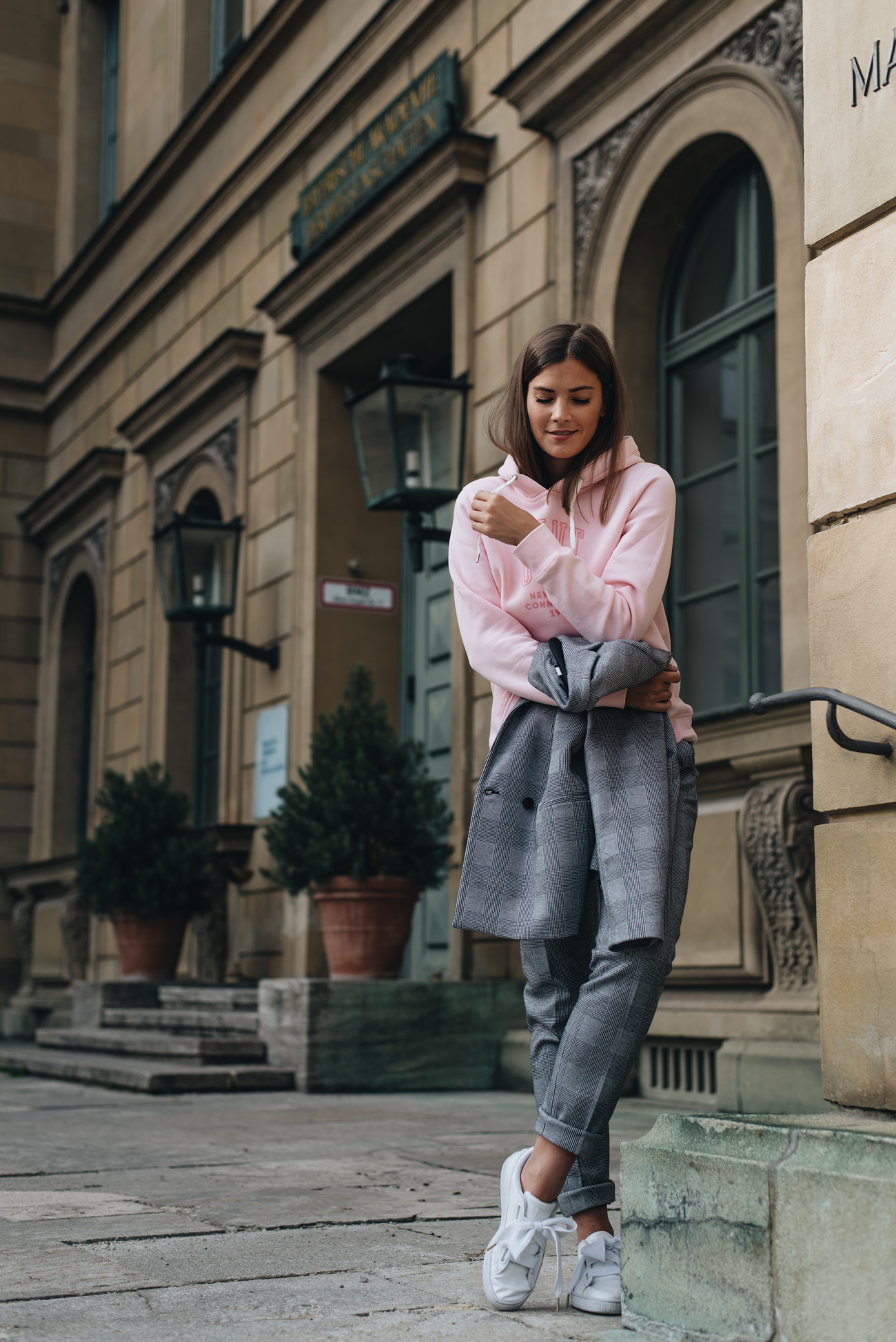 mode-trends-herbst-und-winter-2017-pullover-jacken-mäntel-streetstyle-parka-fashiioncarpet-nina-schwichtenberg