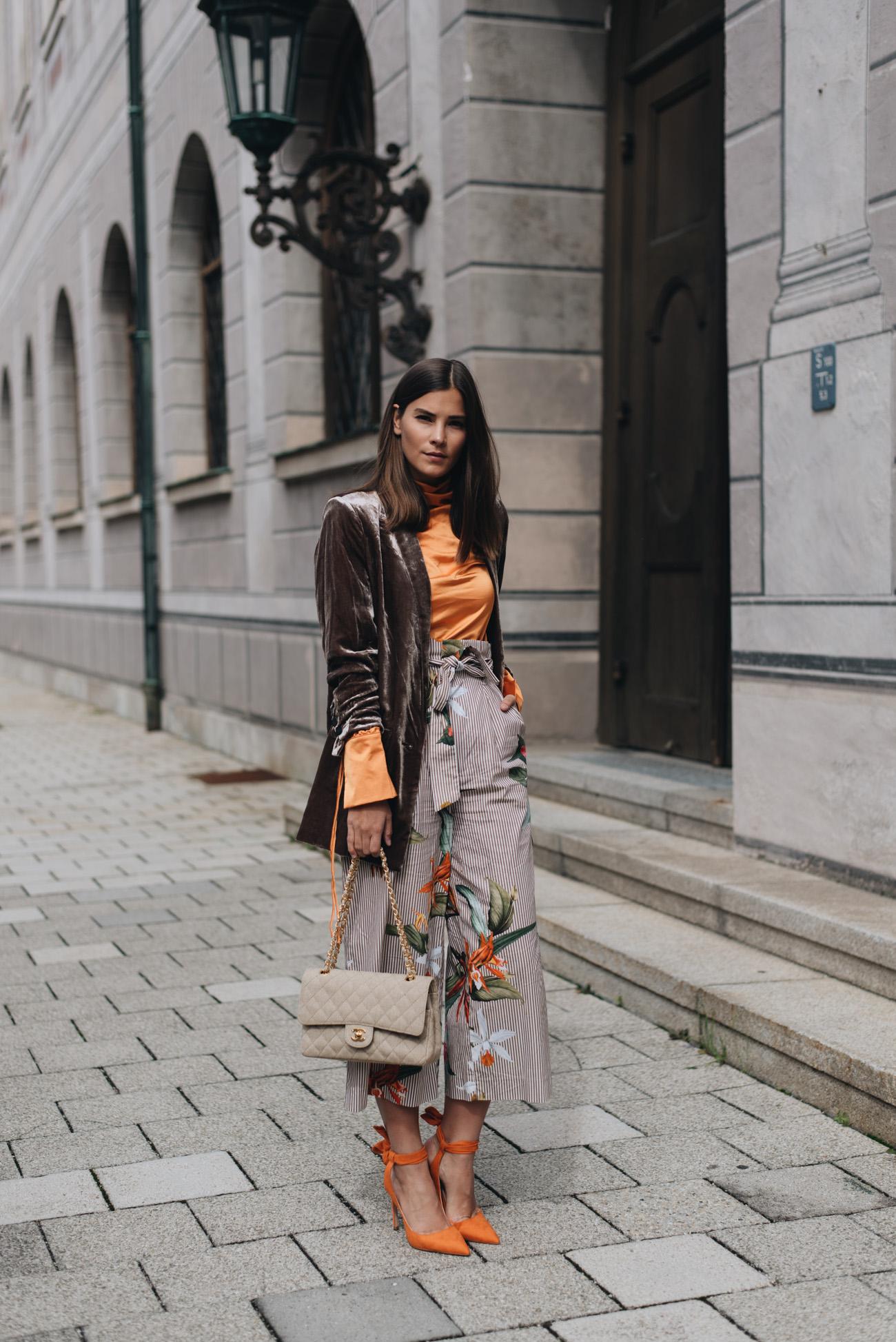 Fashion-trends-2017-High-Waist-Streifen-hose-kombinieren-streetstyle-alltag-bloggerin-nina-schwichtenberg-fashiioncarpet