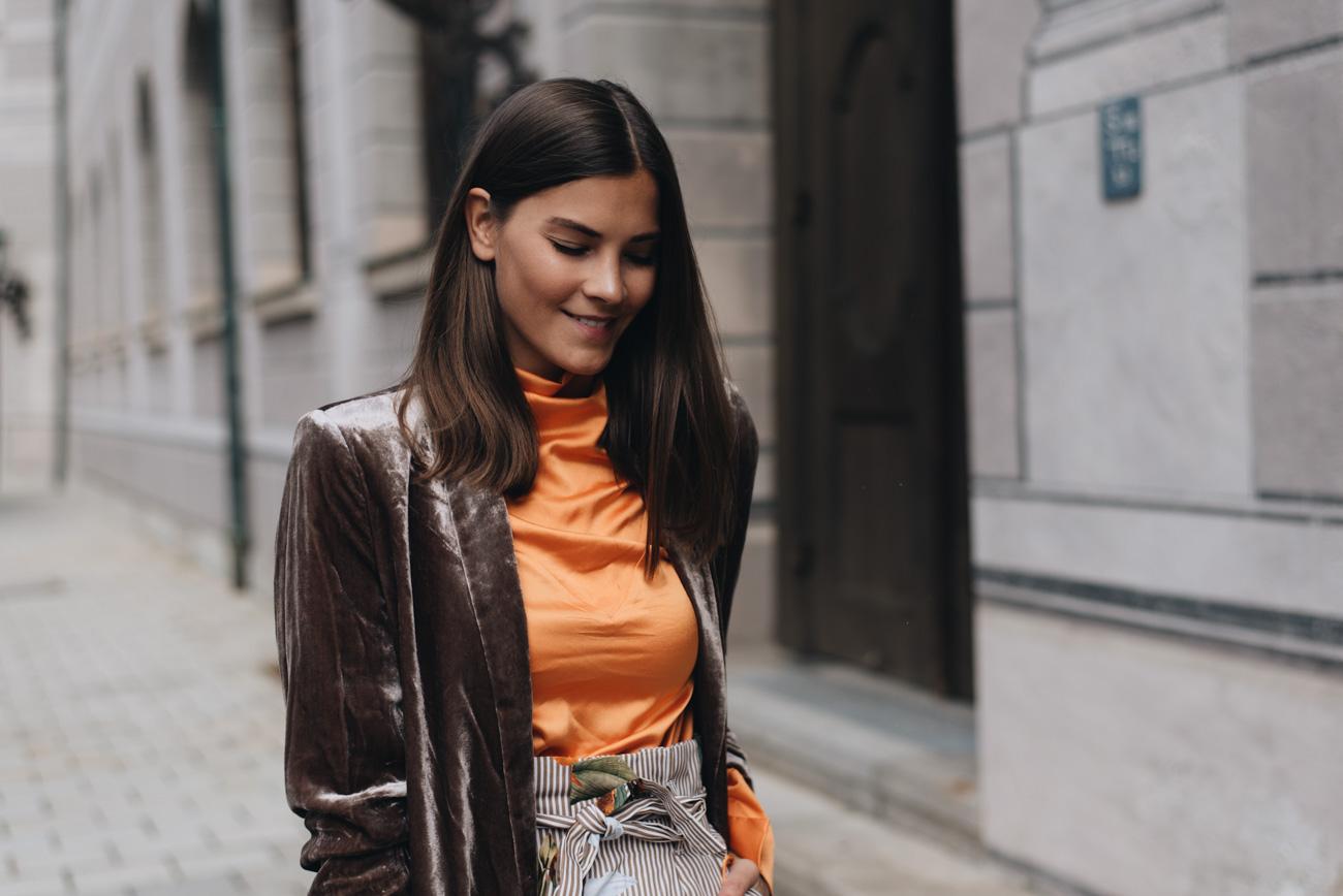 Samt-Blazer-Braun-Chanel-Timeless-Vintage-Stoff-Canvas-Fashion-Beauty-Lifestyle-Influencerin-münchen-Deutschland-Nina-schwichtenberg-fashiioncarpet
