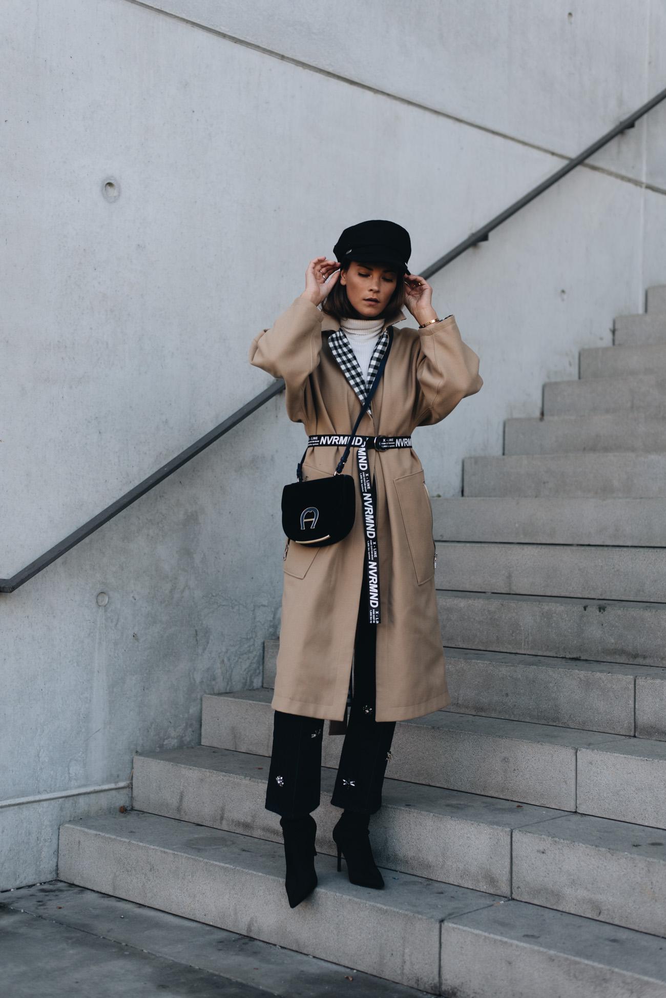 Baker-boy-mütze-herbst-und-winter-trends-2017-aigner-pina-tasche-samt-blau-nina-schwichtenberg-fashion-bloggerin-deutschland-münchen-fashiioncarpet.jpg