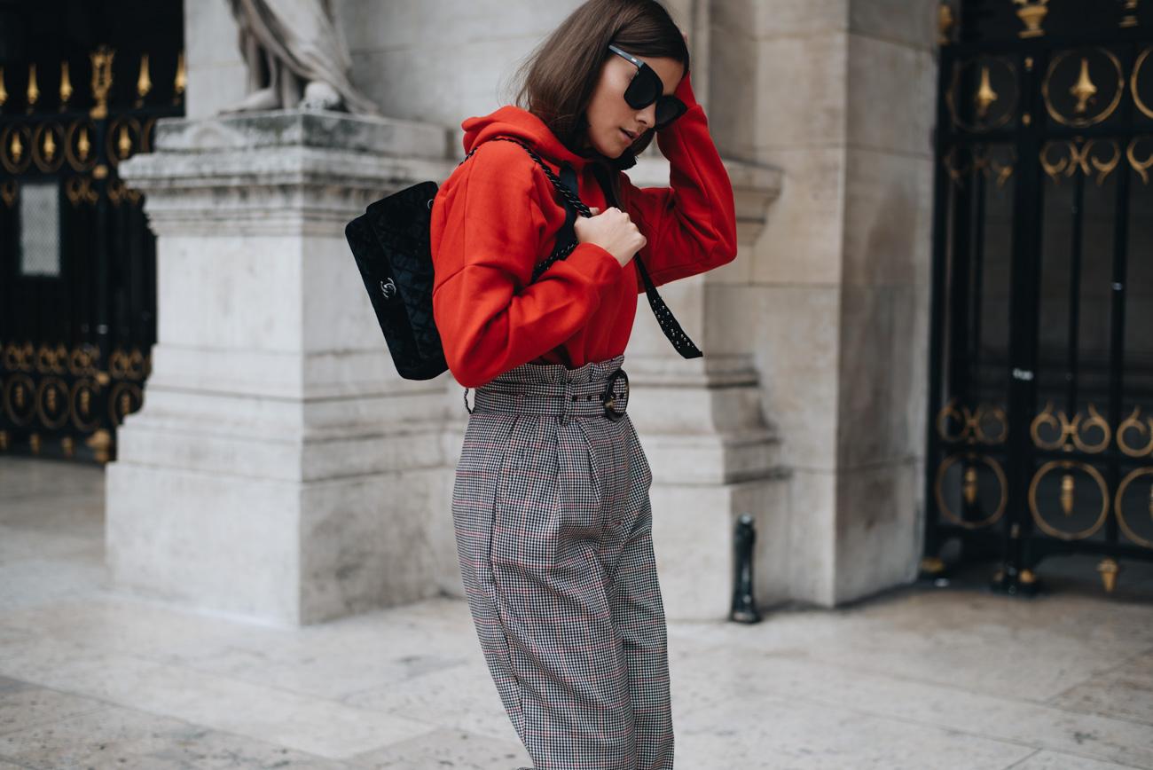 Herbst-und-winter-mode-trends-2017-farbe-rot-karos-sock-boots-trendübersicht-nina-schwichtenberg-bloggerin-fashiioncarpet