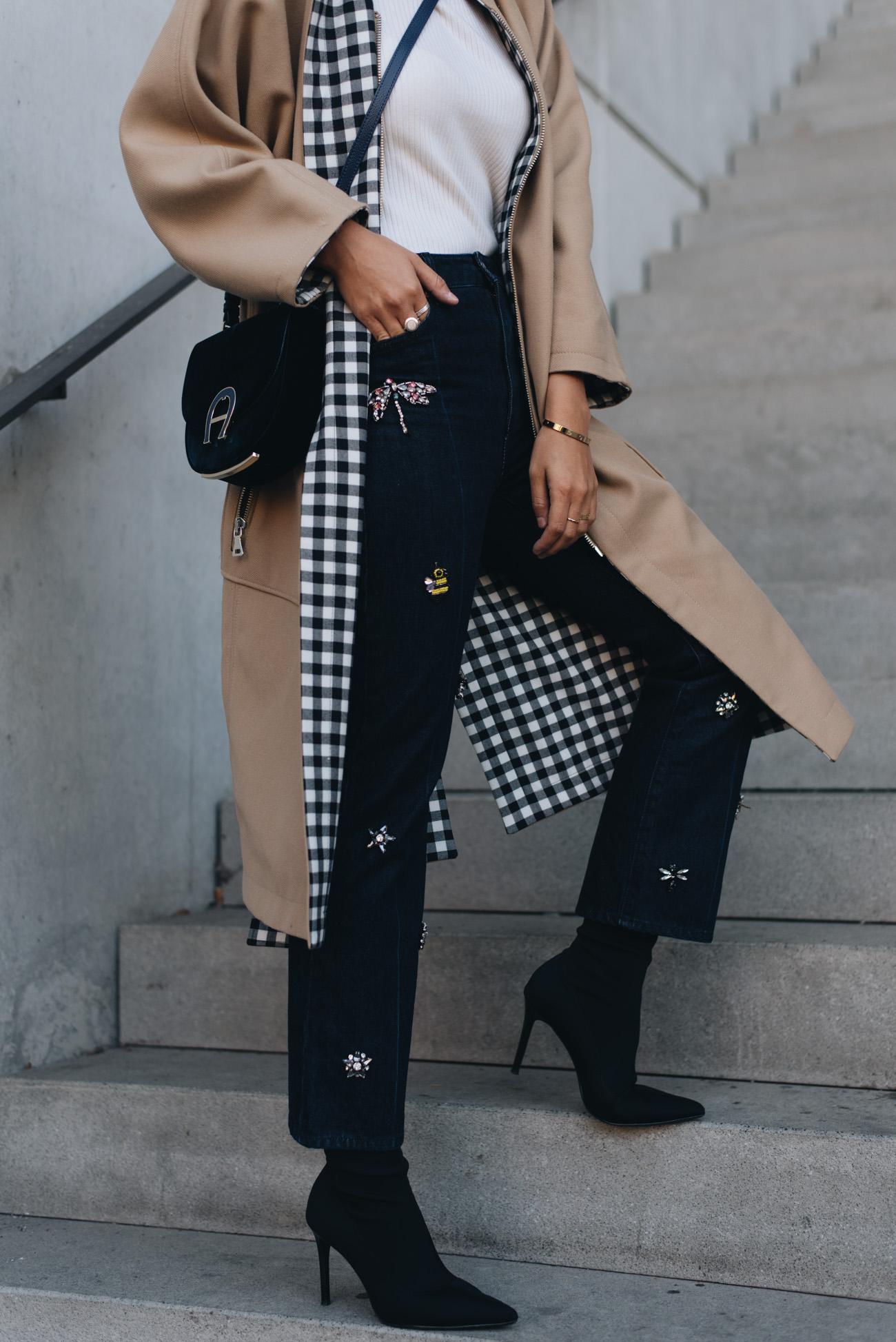 Jeans-mit-perlen-applikationen-H&M-trenchcoat-beige-esprit-nina-schwichtenberg-fashion-bloggerin-deutschland-münchen-fashiioncarpet