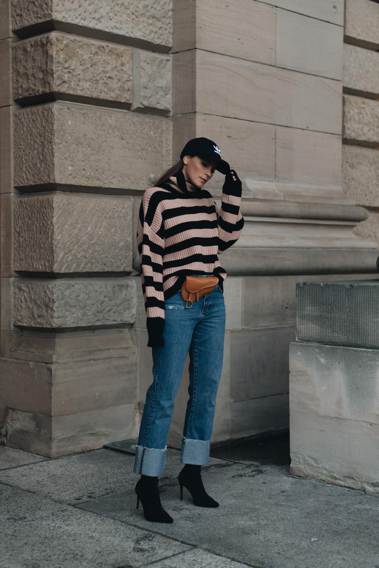 mode-trends-herbst-und-winter-2017-bauchtaschen-gürteltaschen-caps-strickpullover-fashion-blogger-deutschland-nina-schwichtenberg