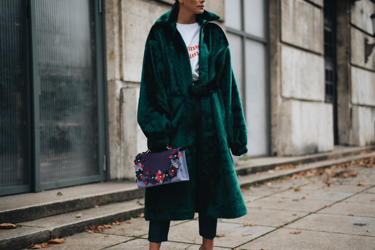 rita-carvalho-Emerald-Fur-Coat-minty-square-Nina-Schwichtenberg-mode-bloggerin-fashion-lifestyle-deutschland-münchen-fashiioncarpet