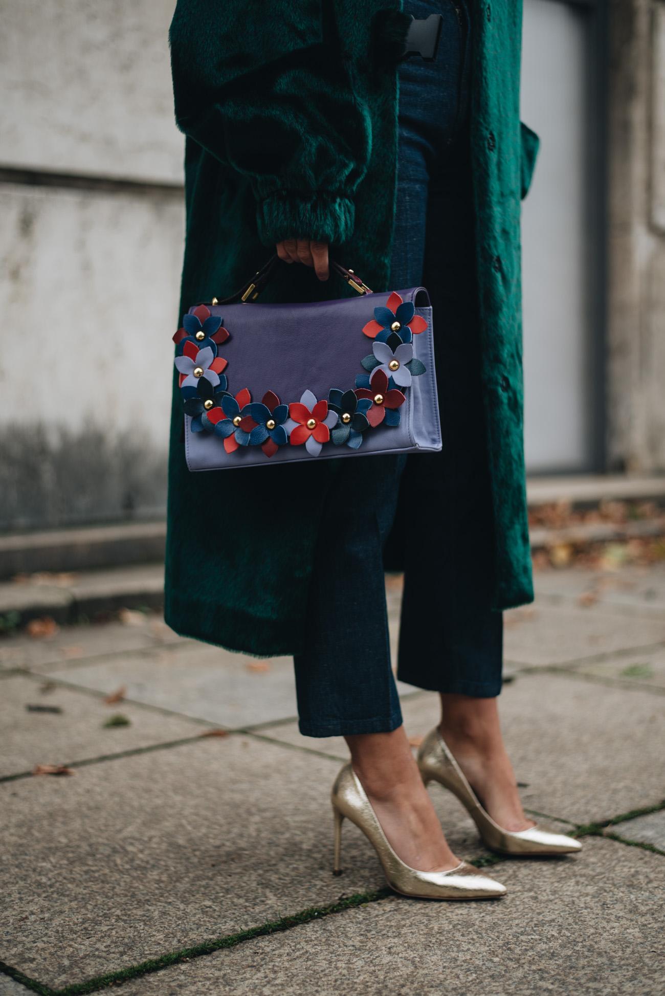 Oversize-Fell-Mantel-fake-fur-coat-minty-square-Nina-Schwichtenberg-mode-bloggerin-fashion-lifestyle-deutschland-münchen-fashiioncarpet