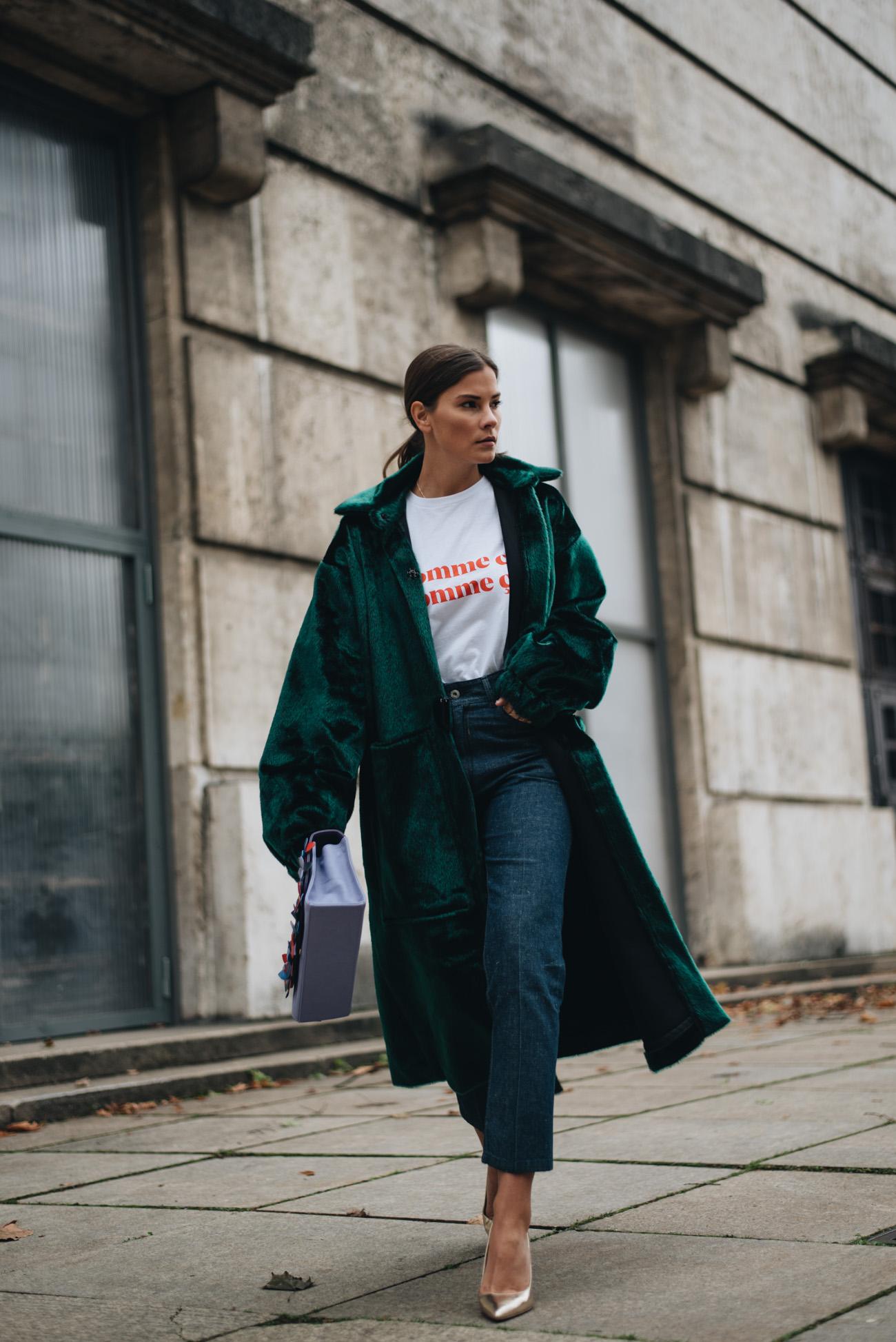 styling-tipps-oversize-mäntel-fake-fur-mantel-pony-hair-Nina-Schwichtenberg-mode-bloggerin-fashion-lifestyle-deutschland-münchen-fashiioncarpet