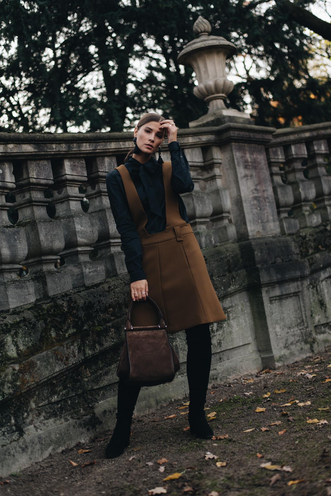 AGL-Wildleder-overknee-stiefel-schwarz-stiefel-max-mara-Tasche-aus-Veloursleder-nina-schwichtenberg-fashion-bloggeirn-modebloggerin-deutschland-münchen-fashiioncarpet