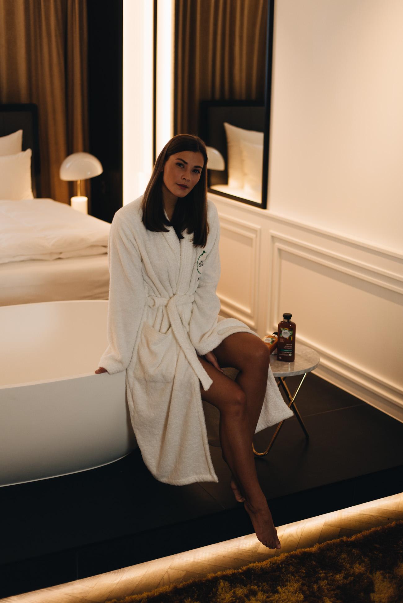 nina-schwichtenberg-beauty-bloggerin-deutschland-münchen-haar-pflege-tipps-fashiioncarpet-
