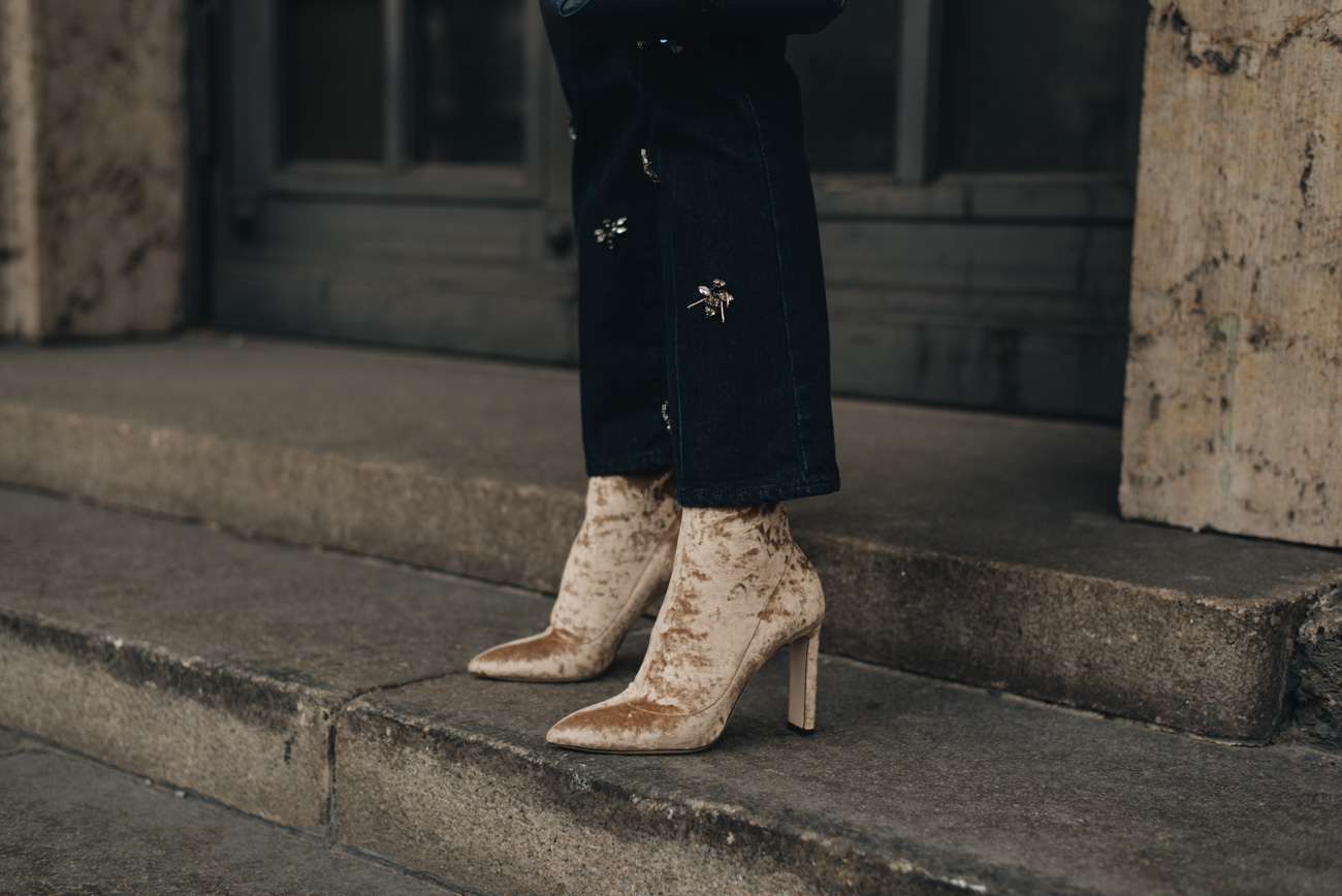Jimmy-Choo-Samt-Stiefel-Sock-Boots-Louella-Gold-Velvet-Die-10-besten-mode-beauty-und-lifestyle-blogs-deutschlands-münchen-fashiioncarpet-nina-schwichtenberg-luxus-bloggerin