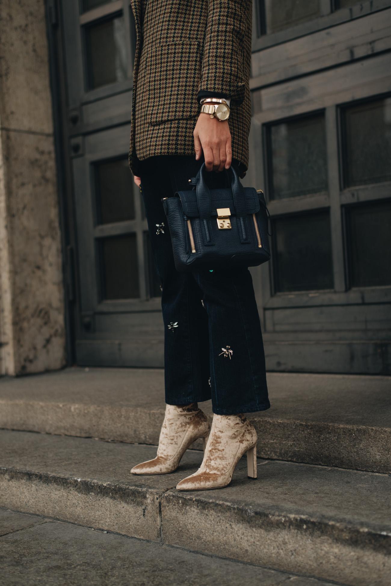 Nina-Schwichtenberg-mode-und-beauty-bloggerin-deutschland-münchen-fashiioncarpet-styling-tipps-cap-mützen