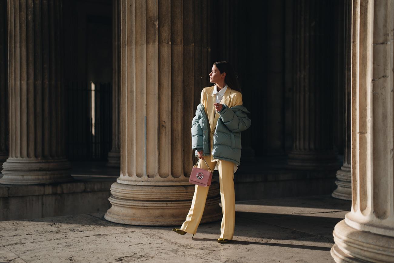 Fendi-Kan-F-Mini-Handtasche-rosa-pink-mytheresa-kollektion-2017-daunenjacke-türkis-mint-jacken-trends-winter-2017-Fashionblogger-fashion-blog-deutschland-münchen-fashiioncarpet-nina-schwichtenberg