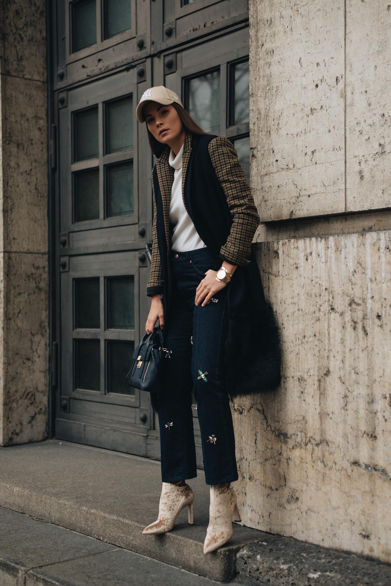 Lange-Wollweste-Samt-Sock-Boots-Jimmy-Choo-New-Ere-Cap-Die-besten-mode-und-lifestyle-blogs-deutschlands-münchen-fashiioncarpet-nina-schwichtenberg-luxus-bloggerin