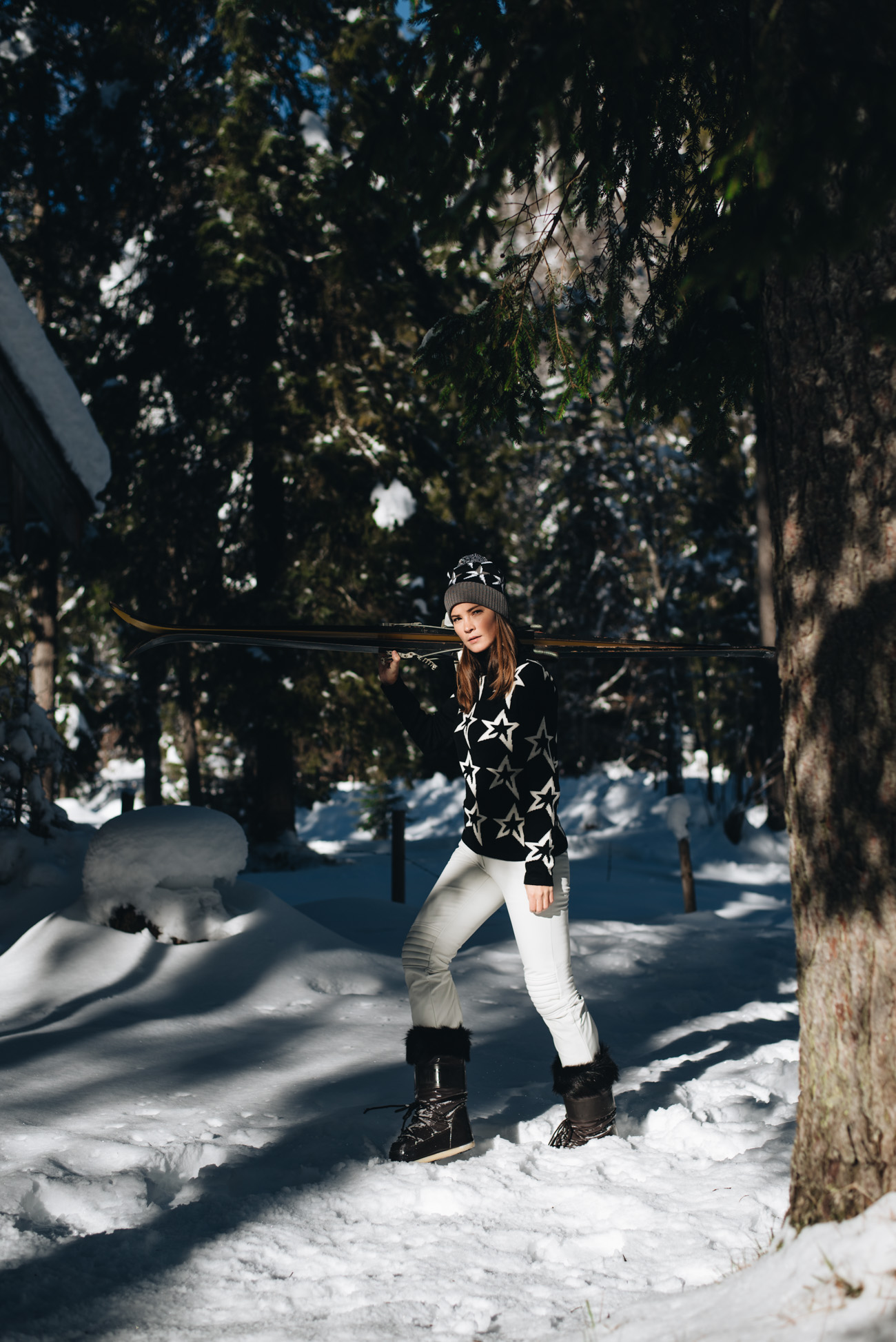 Winter-fotoshooting-Schnee-Fashion-Editorial-Mytheresa-Ski-Saison-Style-fashion-lifestyle-influencer-germay-nina-schwichtenberg-fashiioncarpet-modebloggerin-fashion-bloggerin-deutschland-München