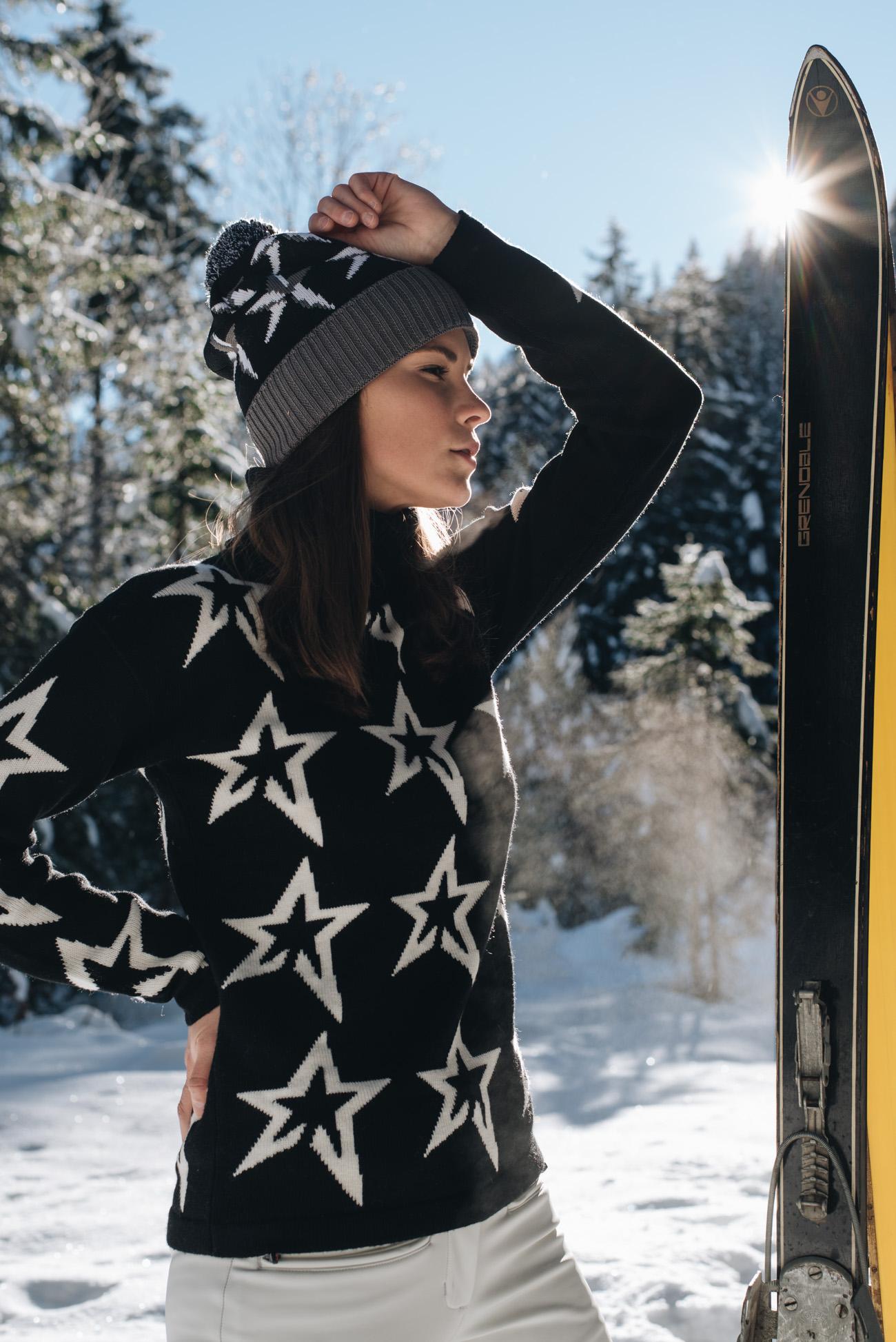 Skipullover-Sternen-Pullover-Perfect-Moment-ski-bekleidung-skikleidung-modisch-damen-winter-fotoshooting-schnee-nina-schwichtenberg-fashionbloggerin-deutschland-münchen-fashiioncarpet