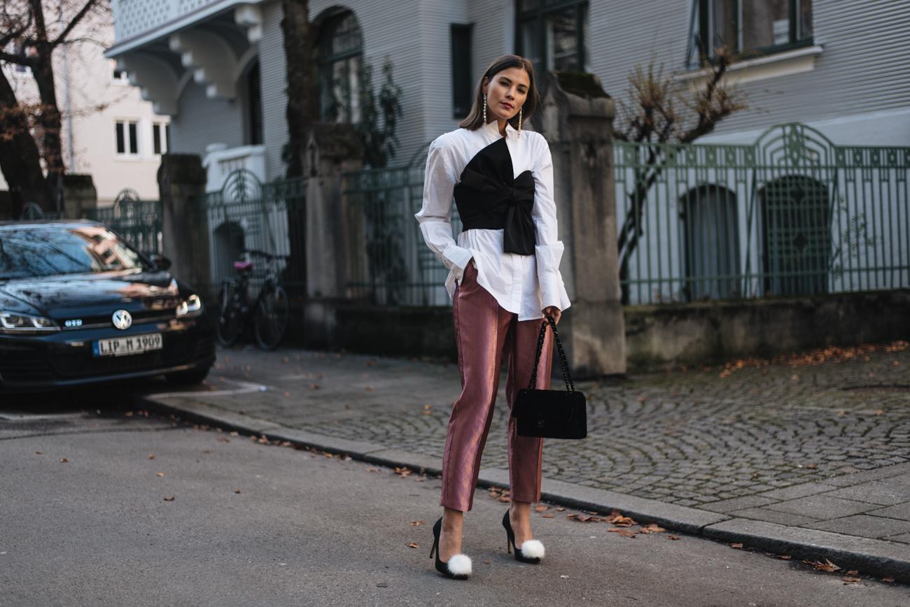 silvester-outfits-inspirationen-weiße-bluse-hose-corsagen-look-im-alltag-party-outfit-nina-schwichtenberg-fashiioncarpet