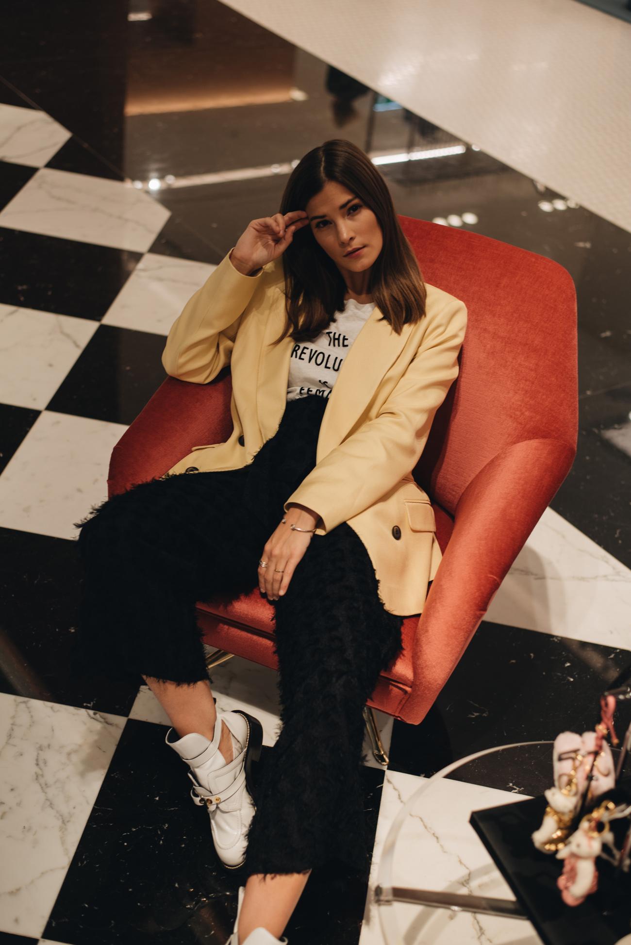 übersicht-Fashion-trends-2018-farbtrends-mustertrends-schnitttrends-modetrends-fashiioncarpet-nina-schwichtenberg